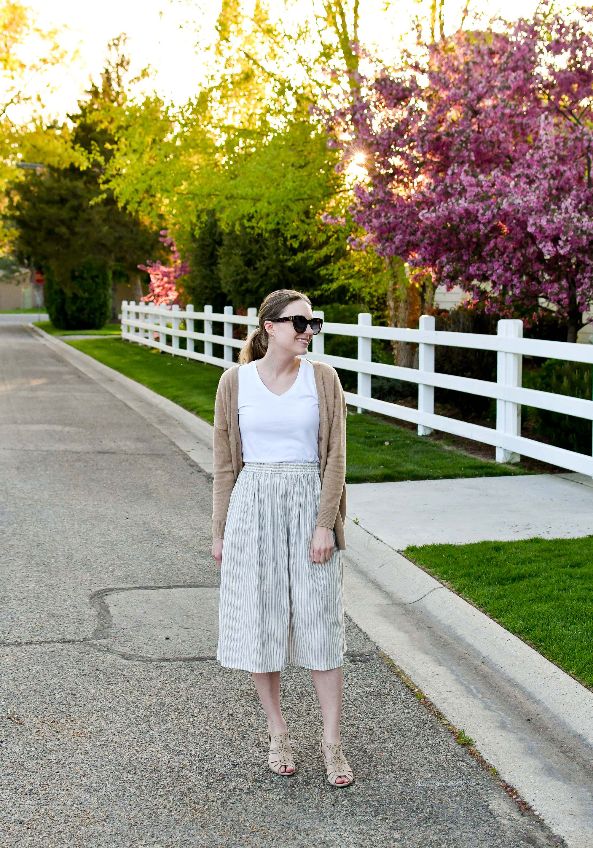 Striped midi skirt spring outfit with white tee and beige sandals — Cotton Cashmere Cat Hair