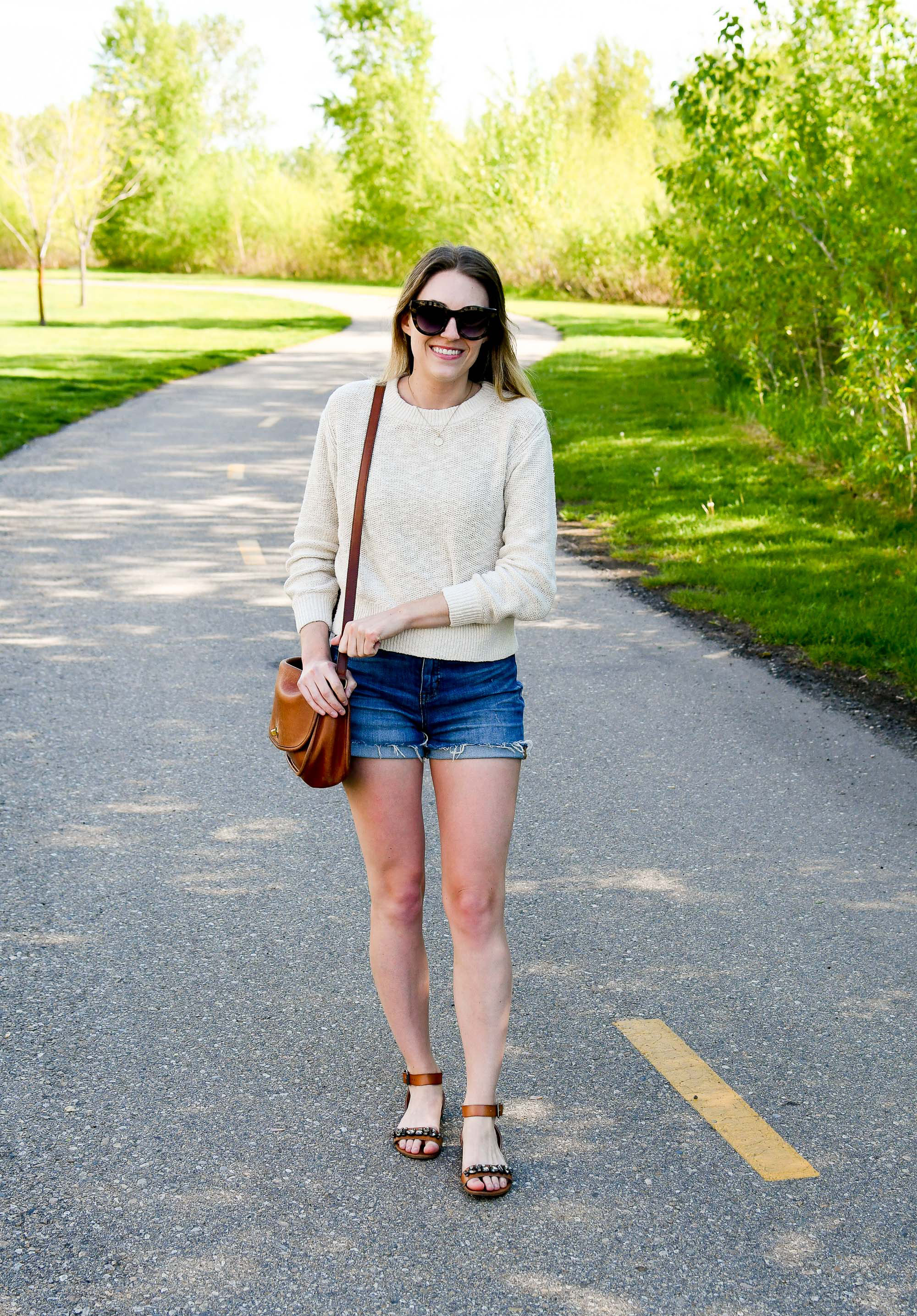 Everlane cotton-linen sweater and Madewell denim shorts casual spring outfit — Cotton Cashmere Cat Hair