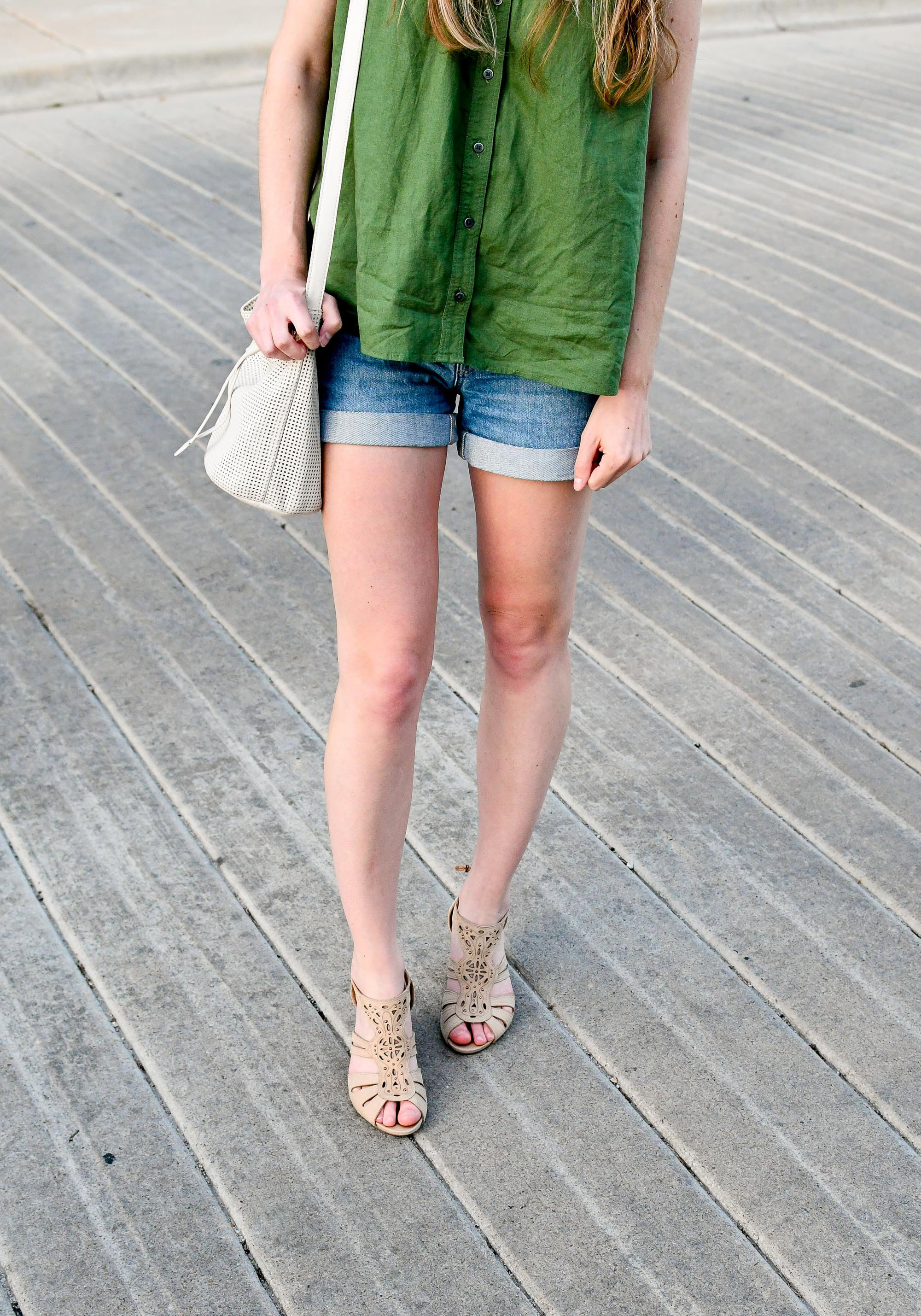 Late spring or summer casual outfit with beige sandals — Cotton Cashmere Cat Hair