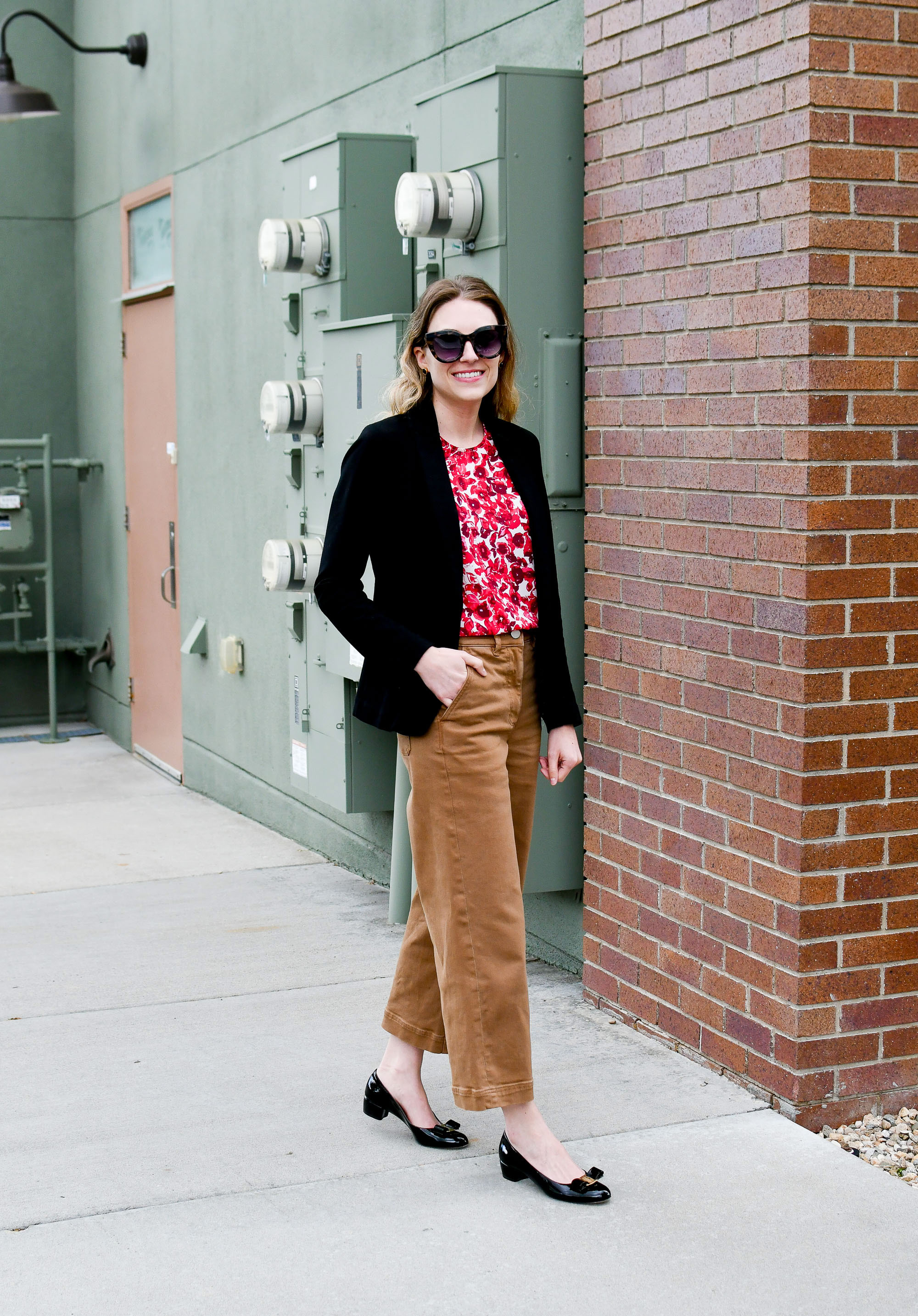 Everlane wide leg pants work outfit with black blazer and Vara pumps — Cotton Cashmere Cat Hair