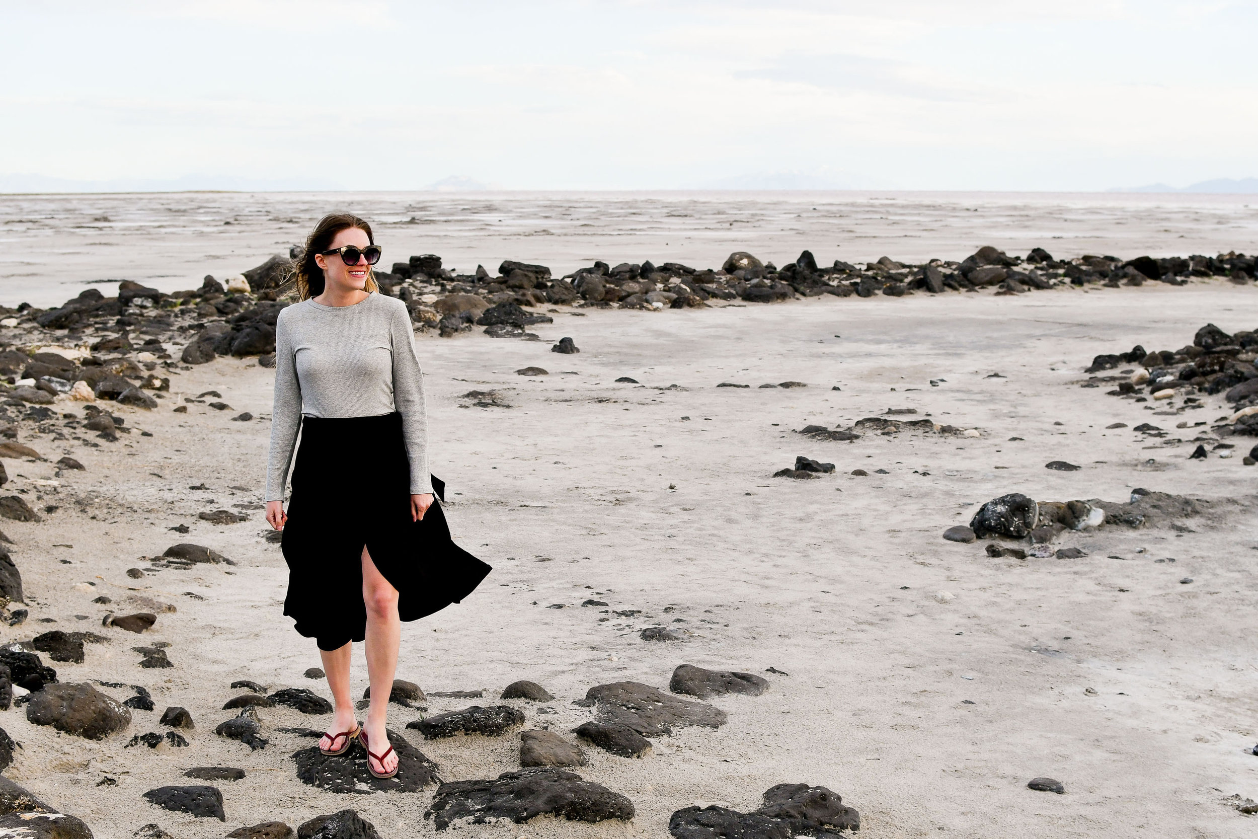 Casual summer outfit with grey cropped tee and black wrap skirt — Cotton Cashmere Cat Hair