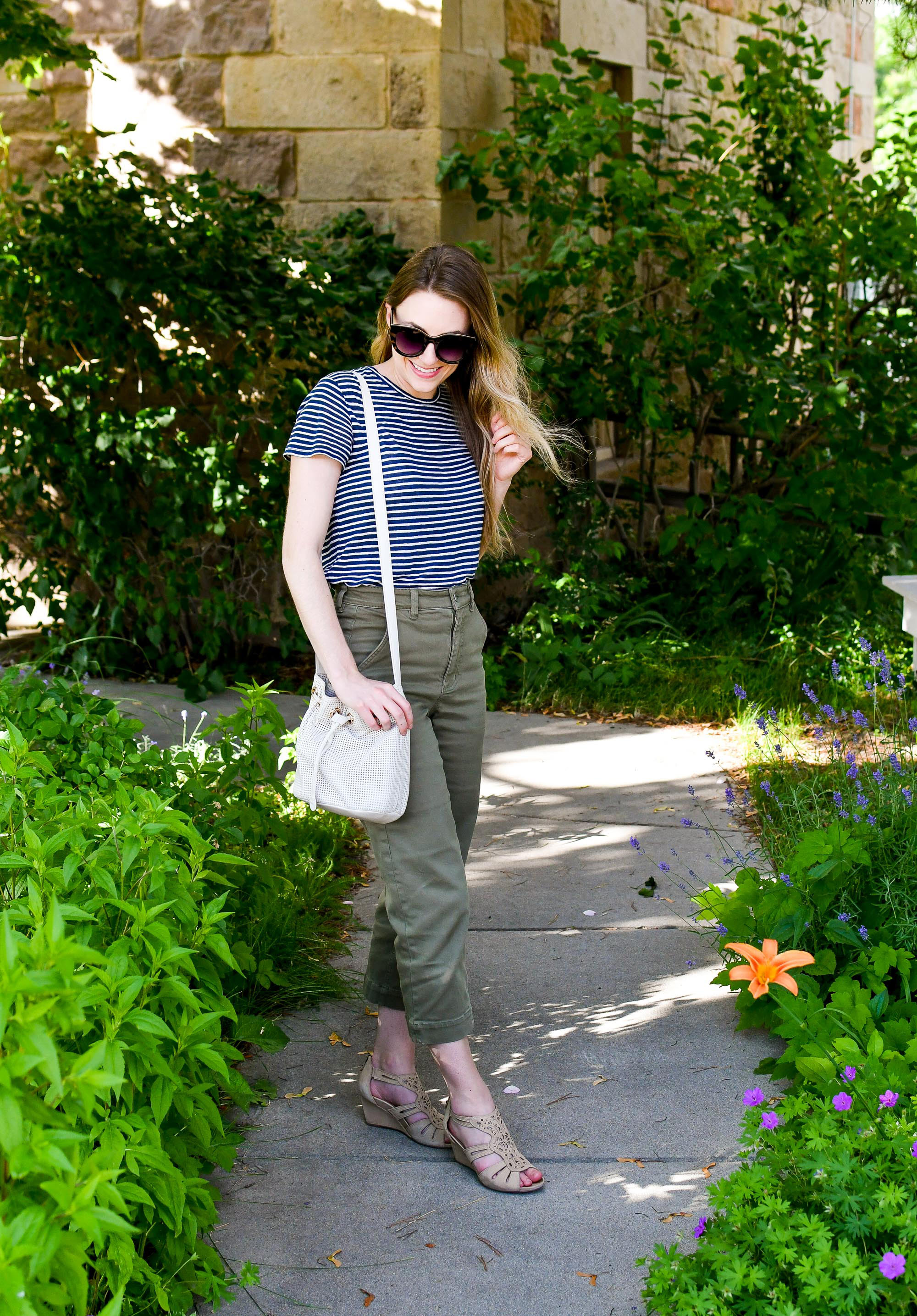 Casual summer outfit with striped linen tee and straight leg crops — Cotton Cashmere Cat Hair