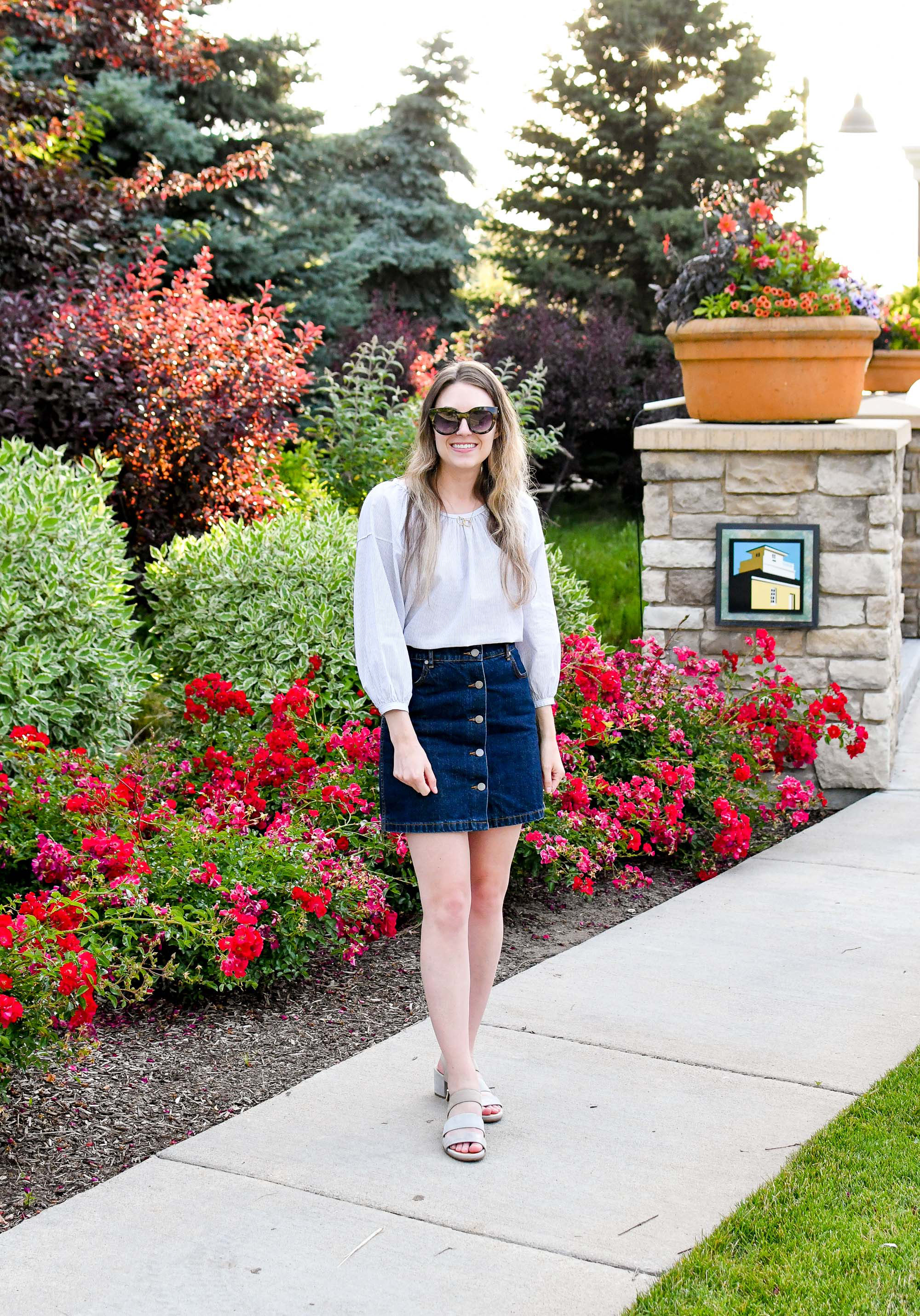 Denim skirt summer outfit with airy blouse and grey sandals — Cotton Cashmere Cat Hair