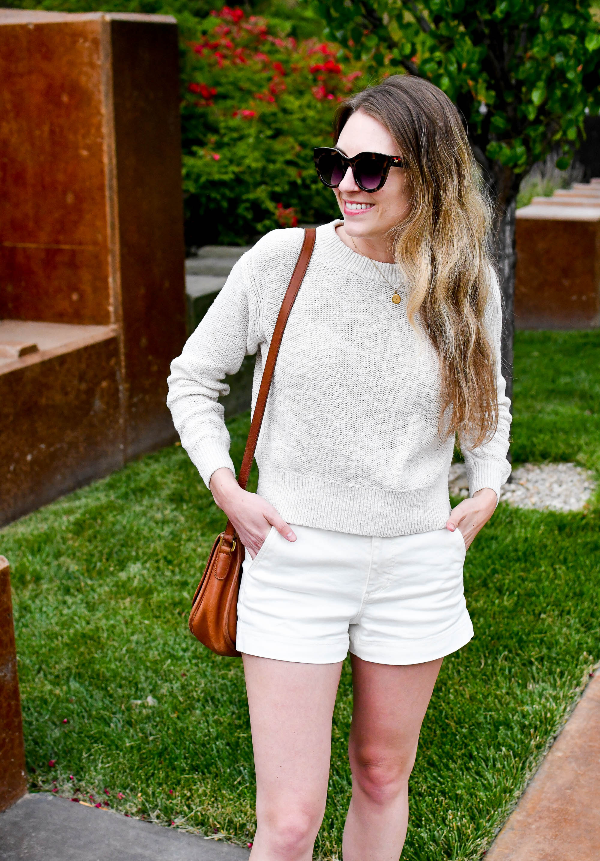 Everlane cotton-linen crew sweater in sand summer outfit — Cotton Cashmere Cat Hair