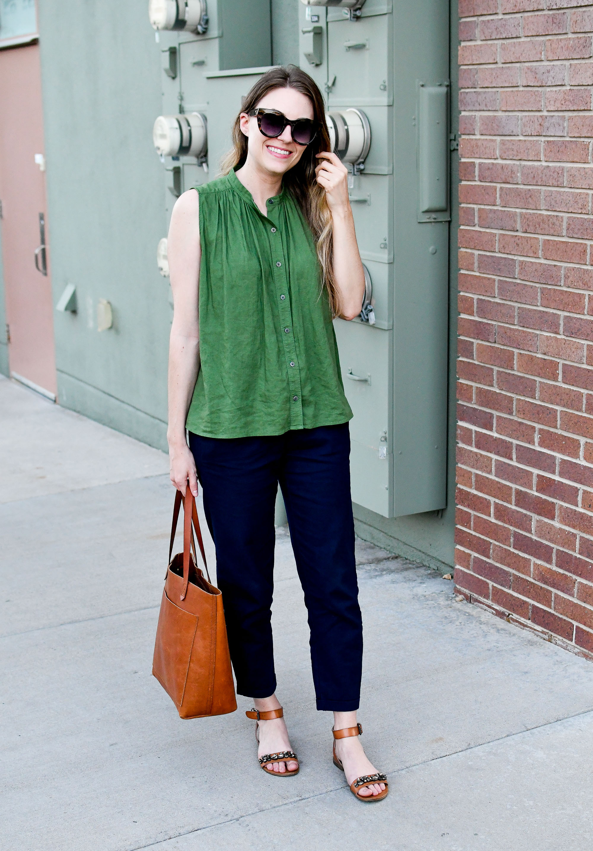 Navy cotton-linen pants summer work outfit with green linen tank top — Cotton Cashmere Cat Hair