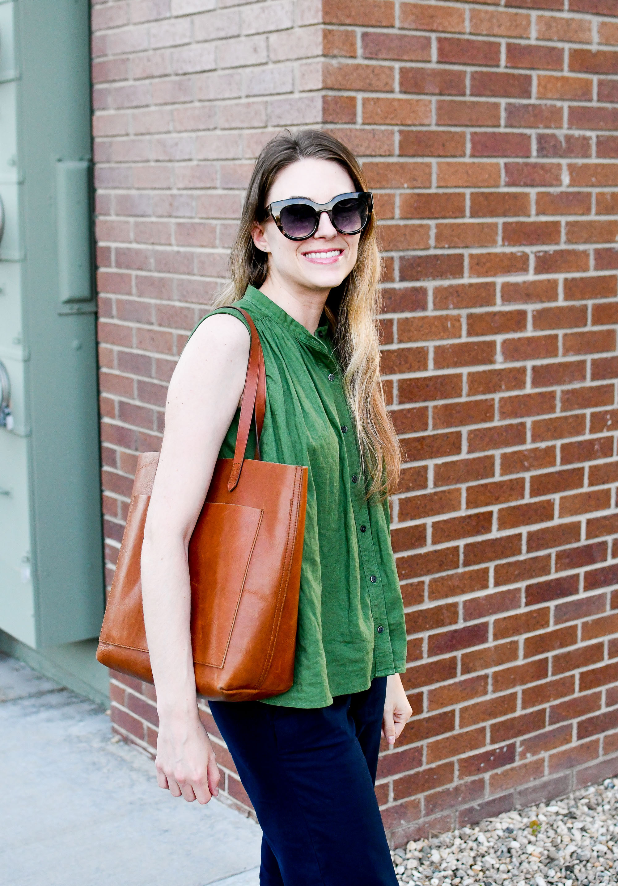 Madewell medium Transport tote summer work outfit — Cotton Cashmere Cat Hair