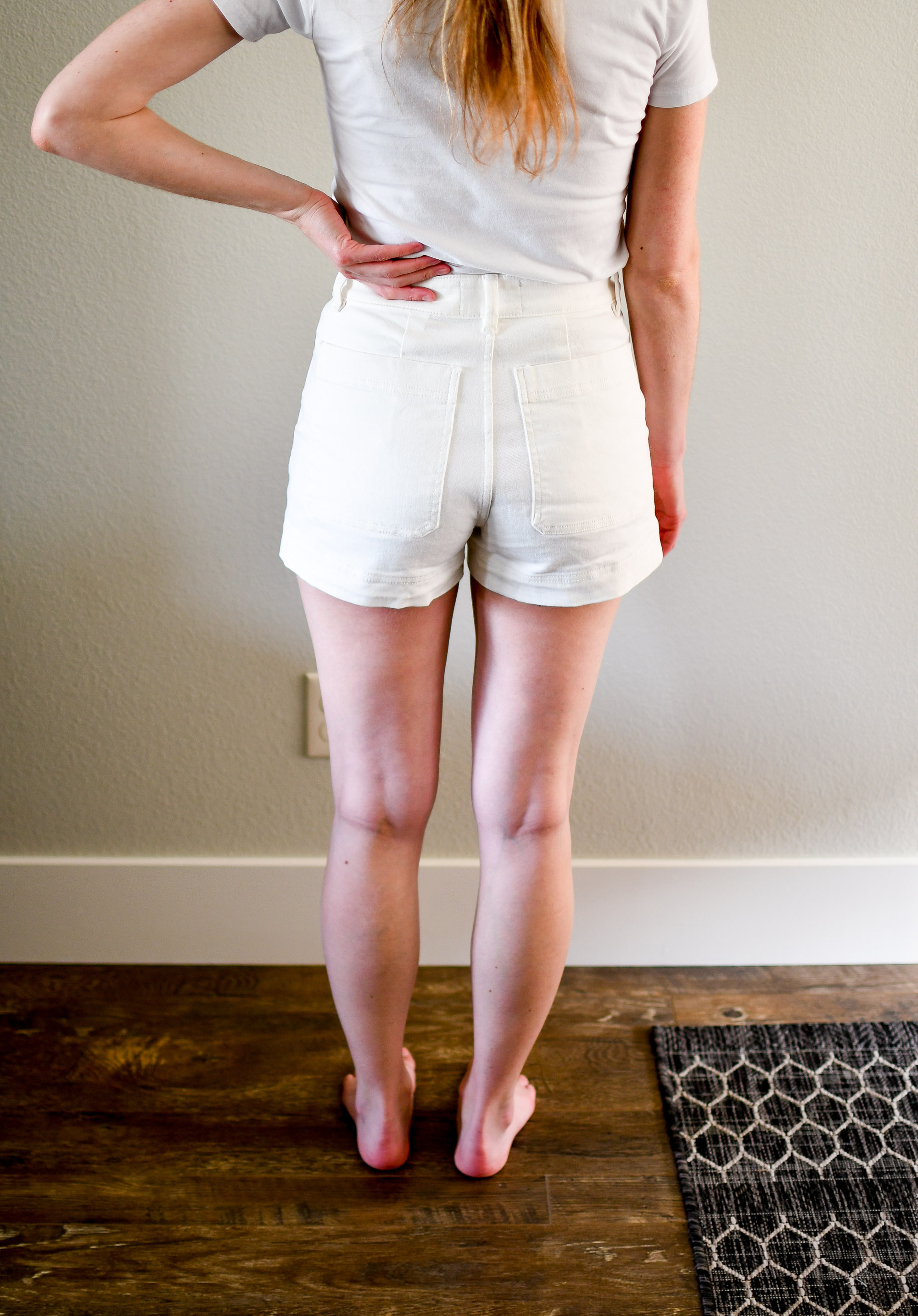 Everlane The Cotton Twill Short in bone — Cotton Cashmere Cat Hair
