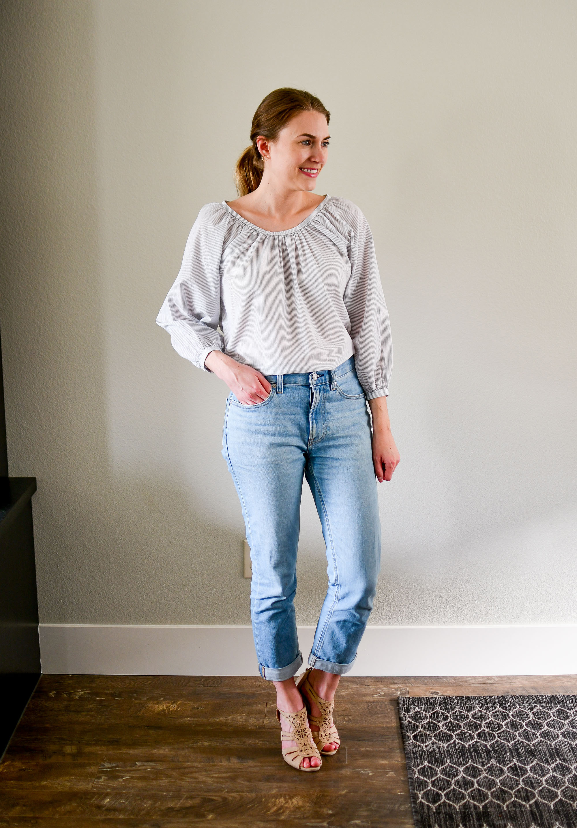 Everlane air ruched blouse and modern boyfriend jeans summer outfit — Cotton Cashmere Cat Hair