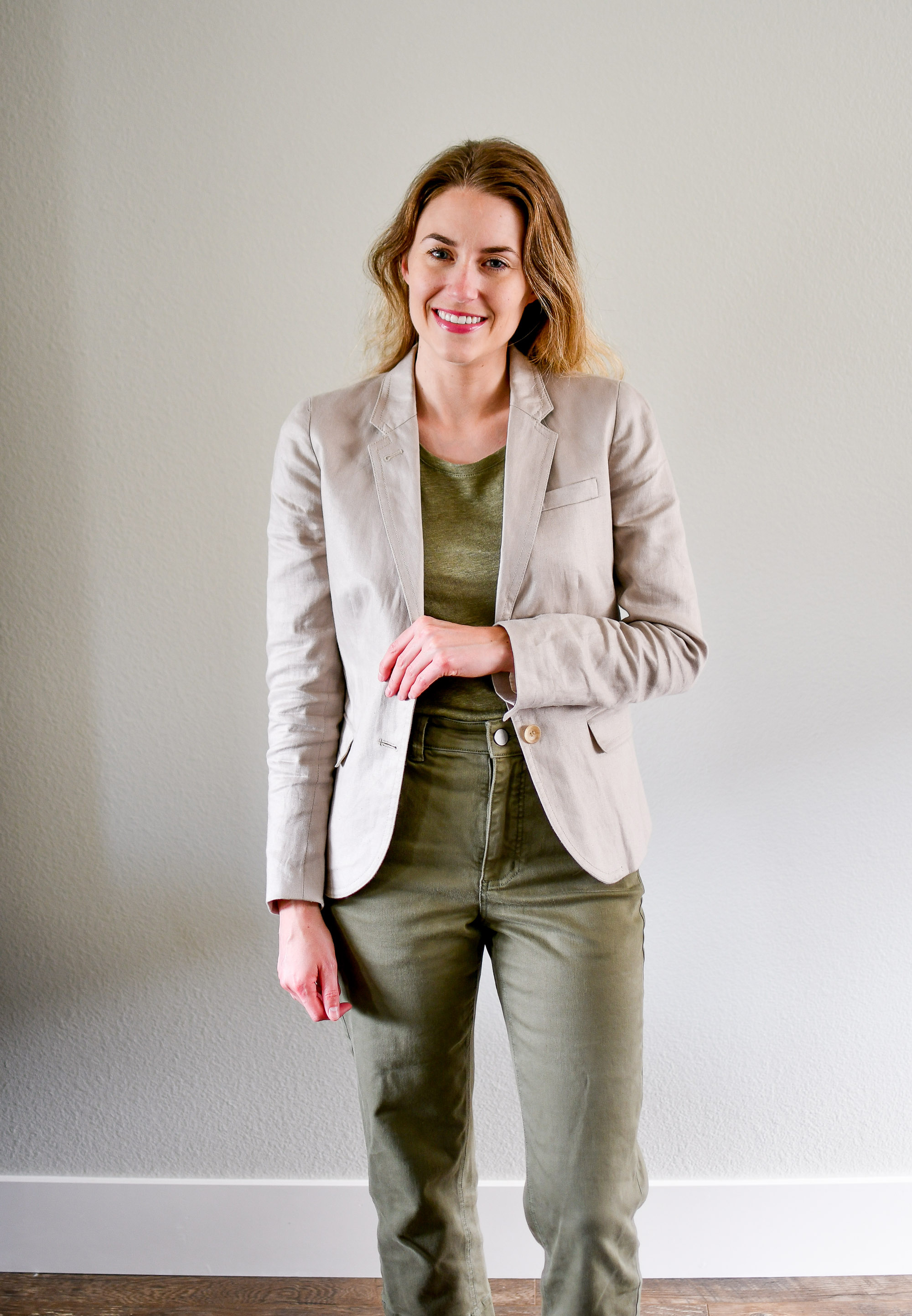 Linen blazer summer work outfit with green linen tee and pants — Cotton Cashmere Cat Hair