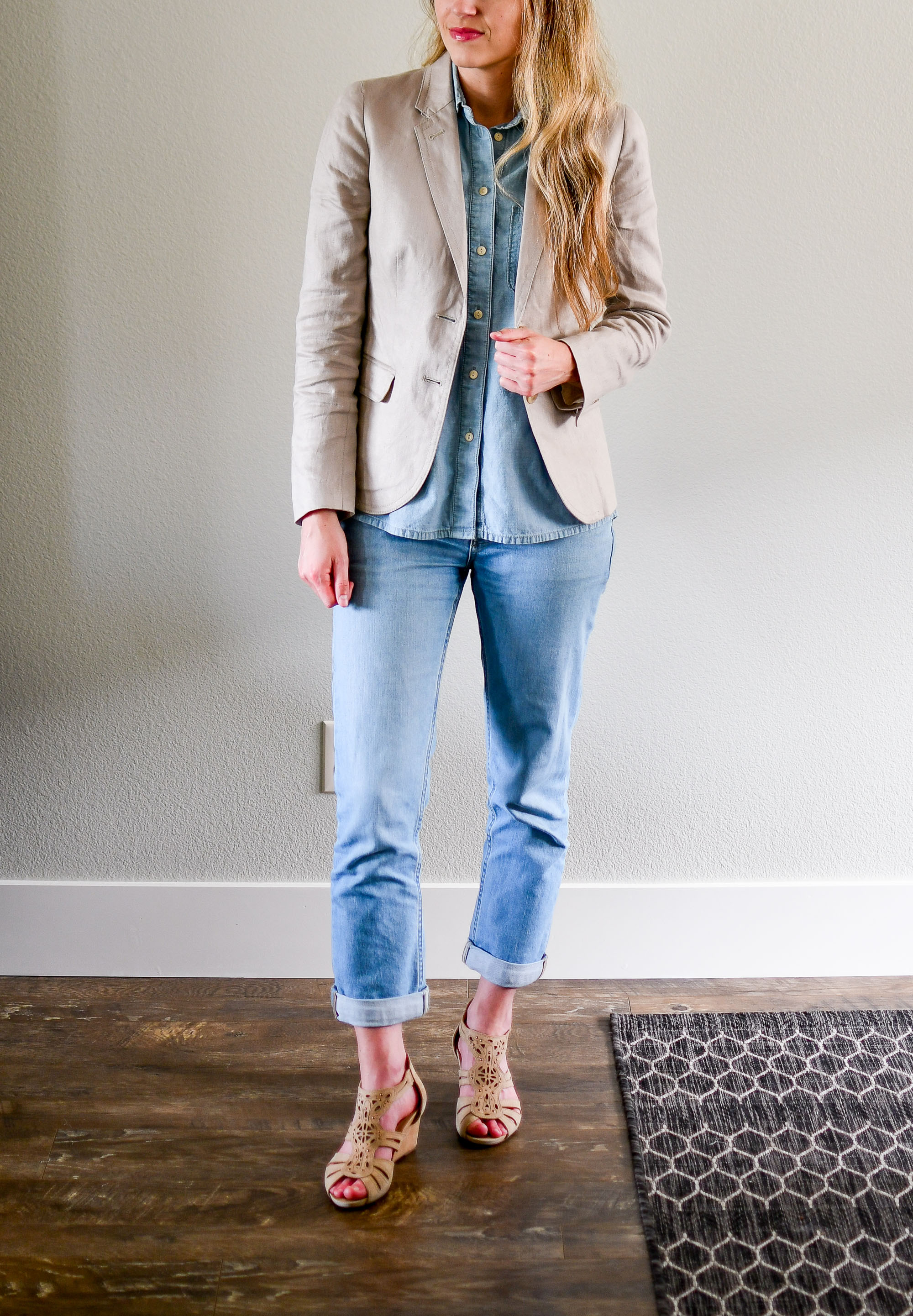Double denim and beige summer work outfit — Cotton Cashmere Cat Hair