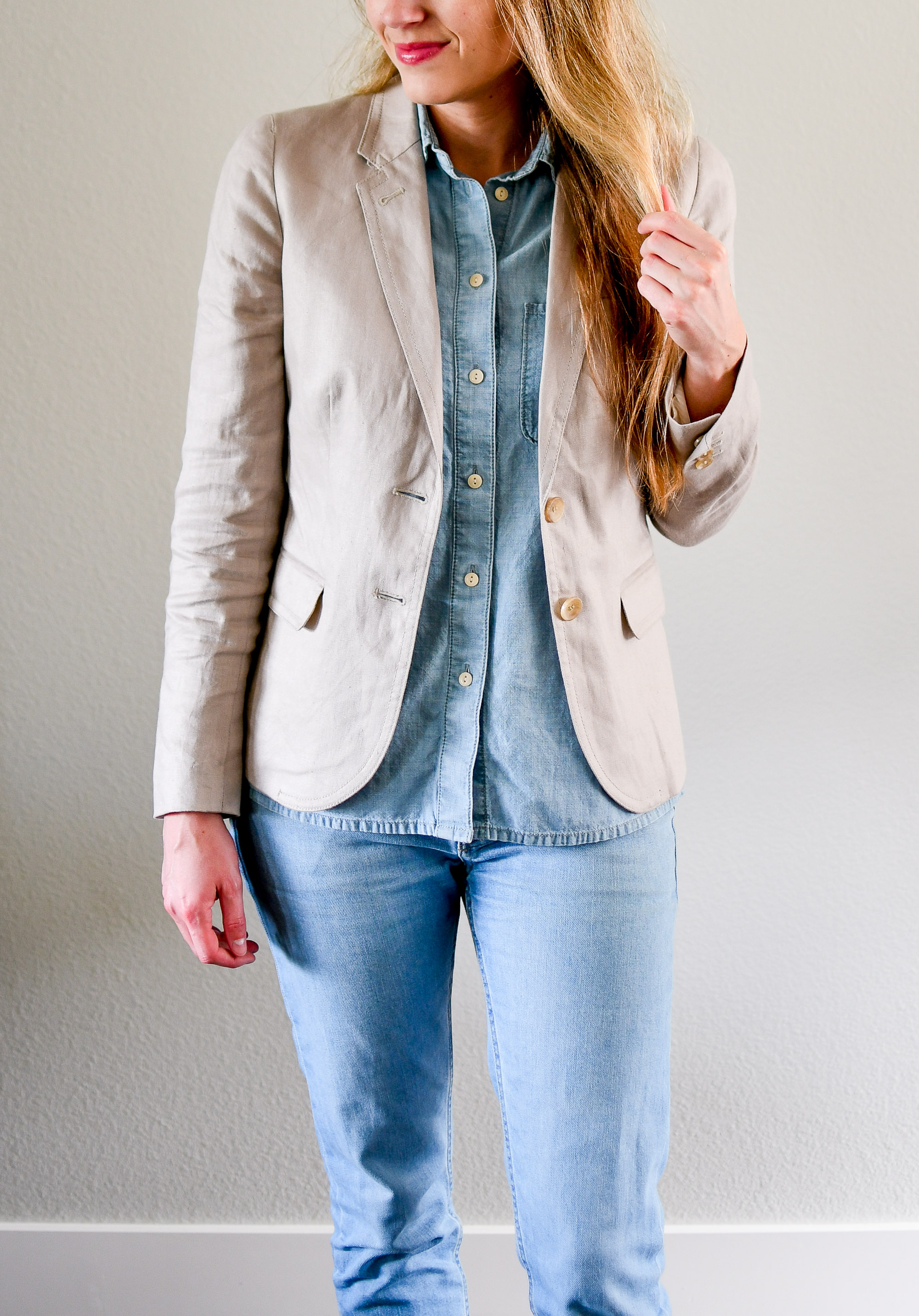 Linen blazer summer outfit with double denim — Cotton Cashmere Cat Hair