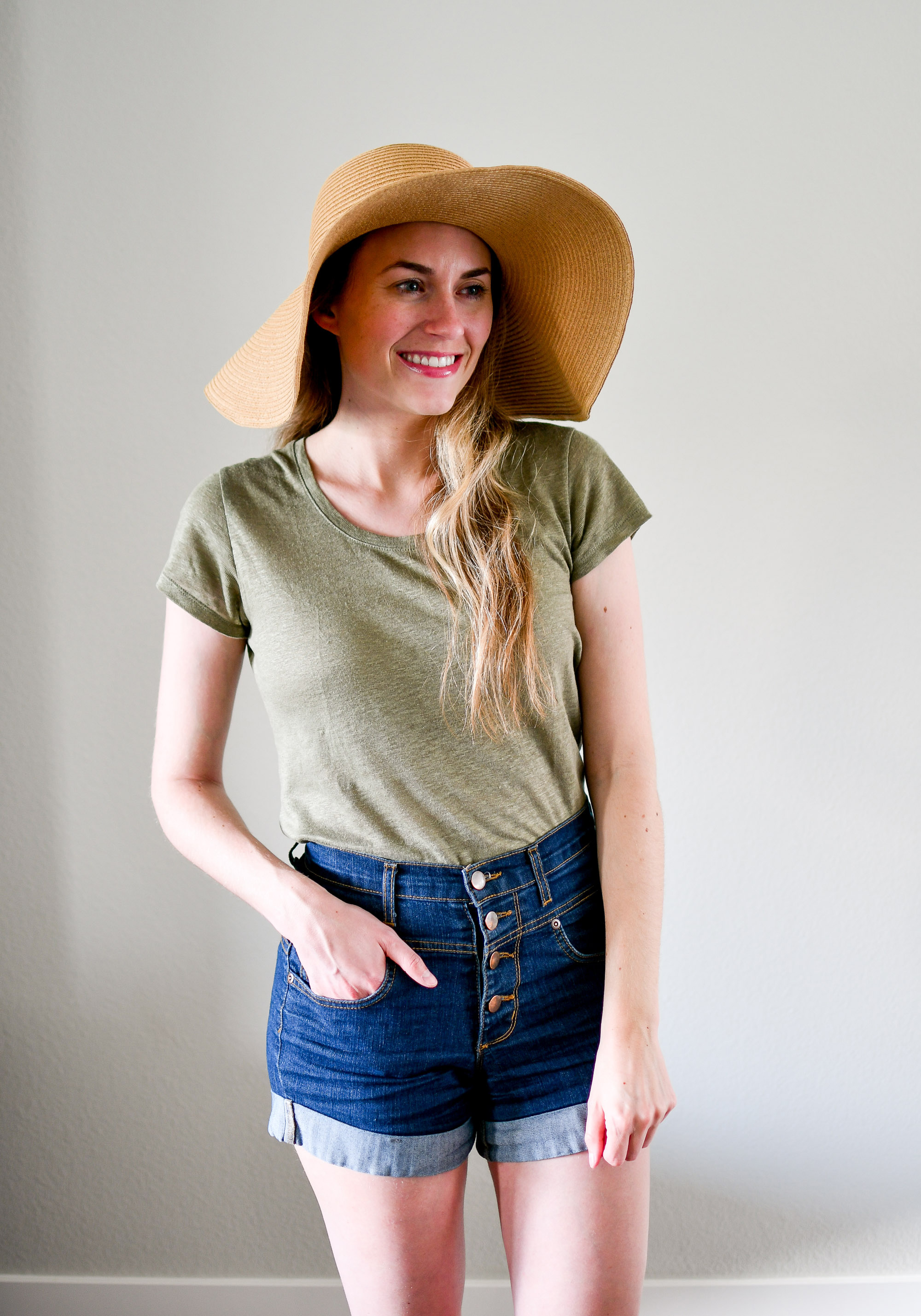 Straw sun hat summer outfit with linen tee — Cotton Cashmere Cat Hair