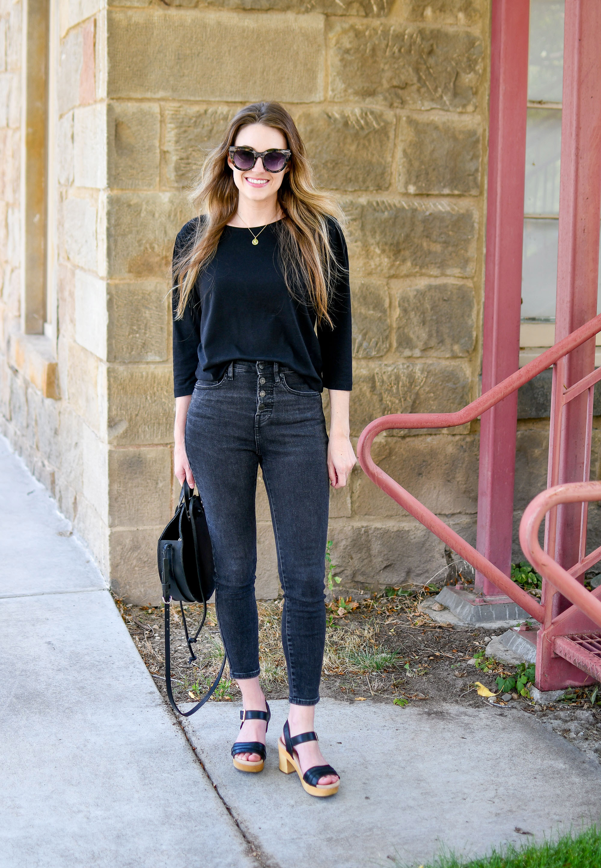 Black on black casual summer weekend outfit — Cotton Cashmere Cat Hair