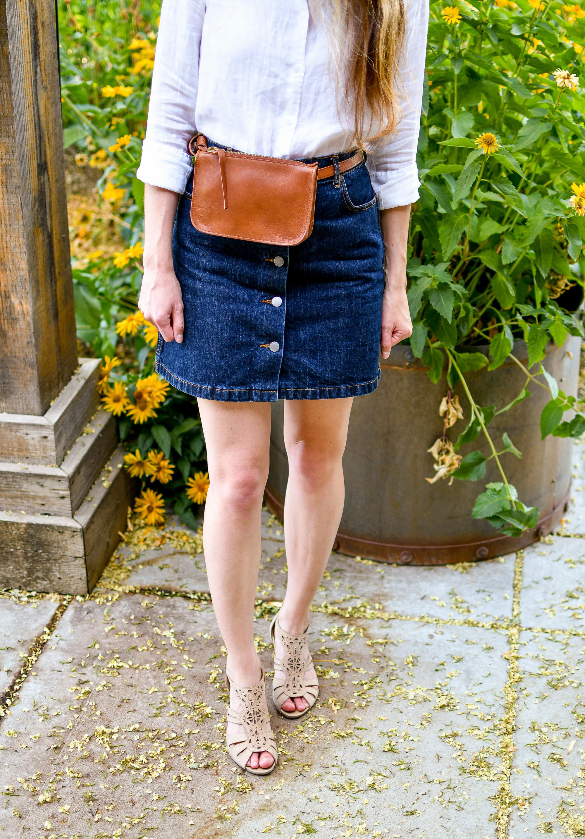 Madewell belt bag summer outfit with denim skirt — Cotton Cashmere Cat Hair