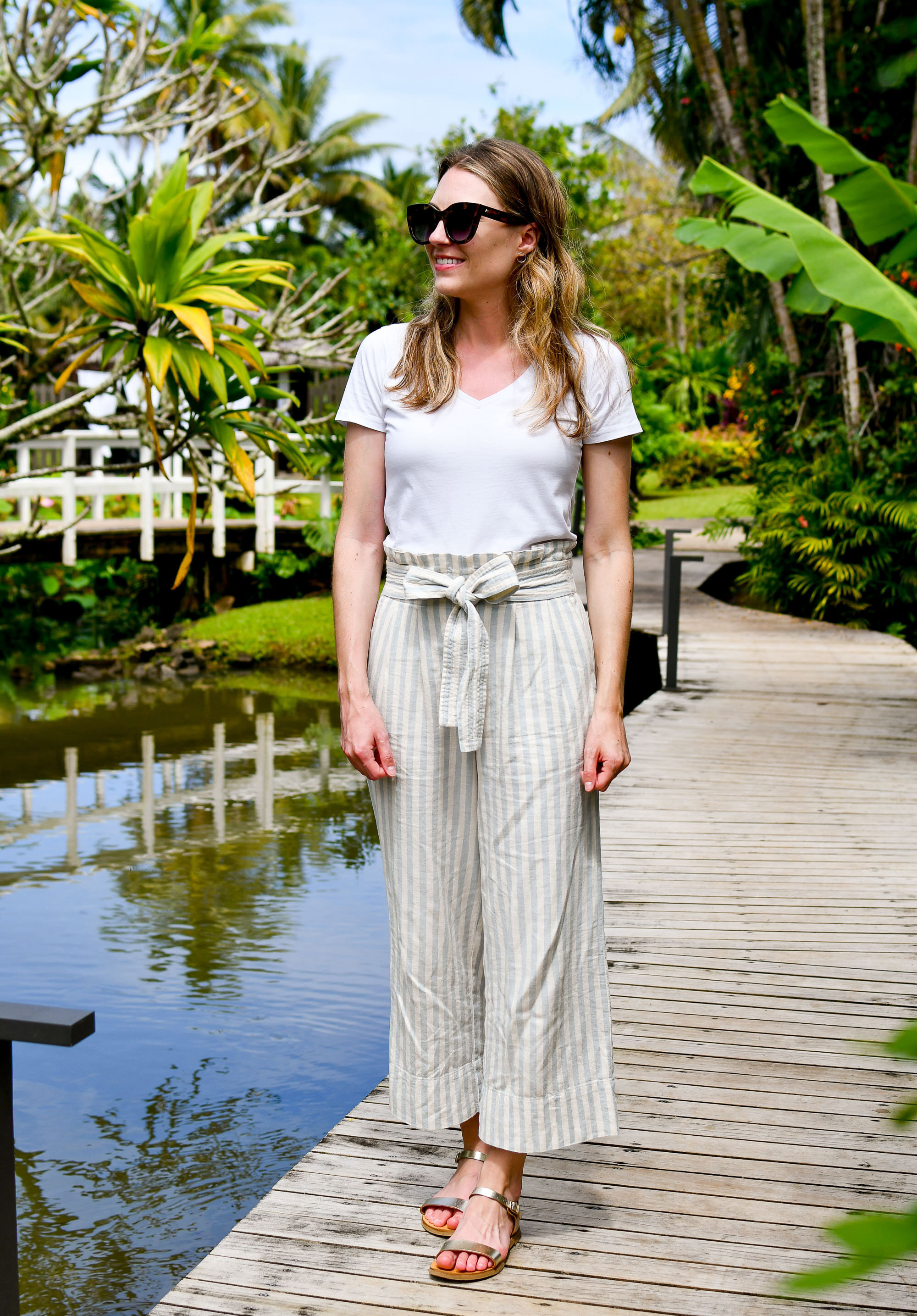 Madewell cotton-linen pants casual outfit with gold sandals — Cotton Cashmere Cat Hair