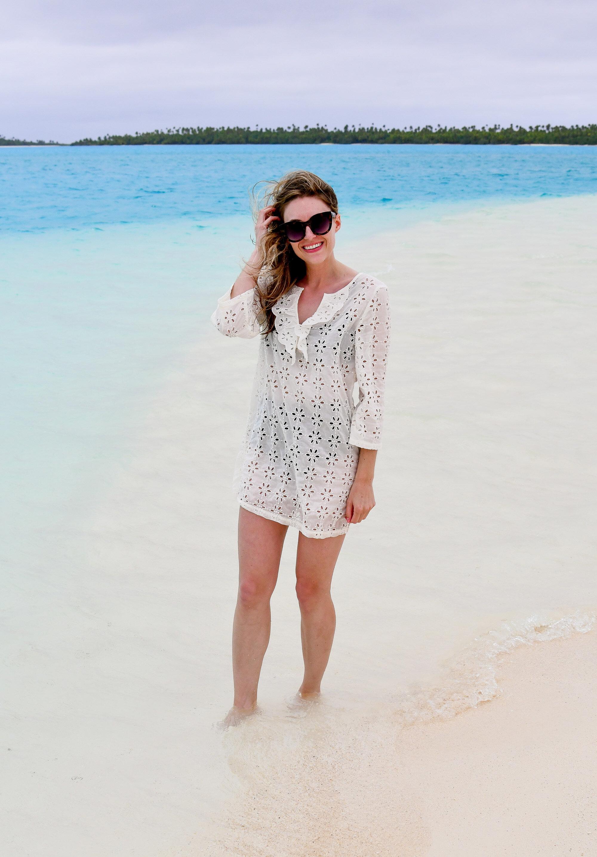 Casual beach outfit in Aitutaki, Cook Islands — Cotton Cashmere Cat Hair