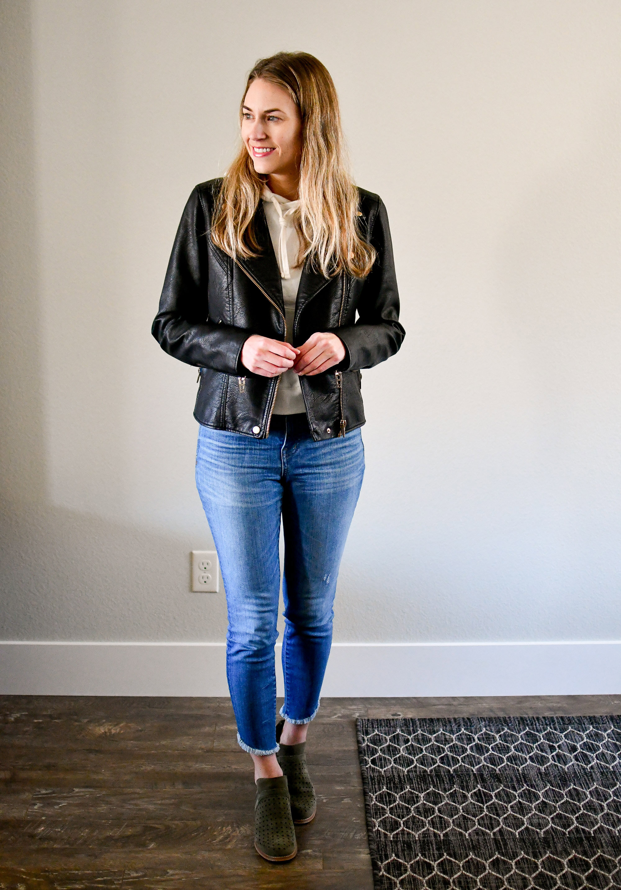 Leather jacket fall outfit with blue denim and olive ankle boots — Cotton Cashmere Cat Hair