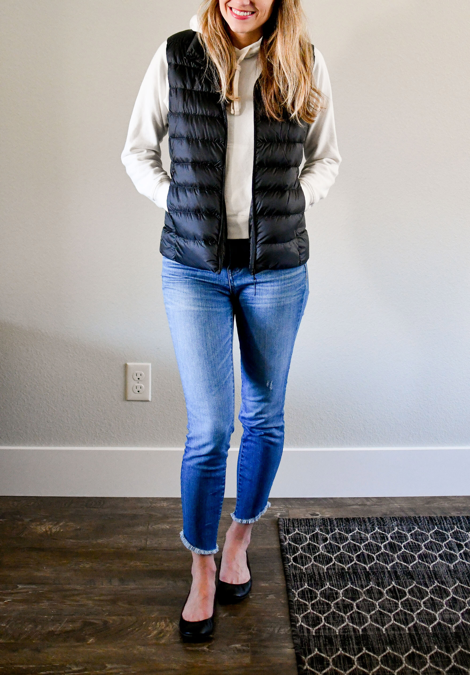 Casual weekend outfit with puffer vest and sweatshirt — Cotton Cashmere Cat Hair