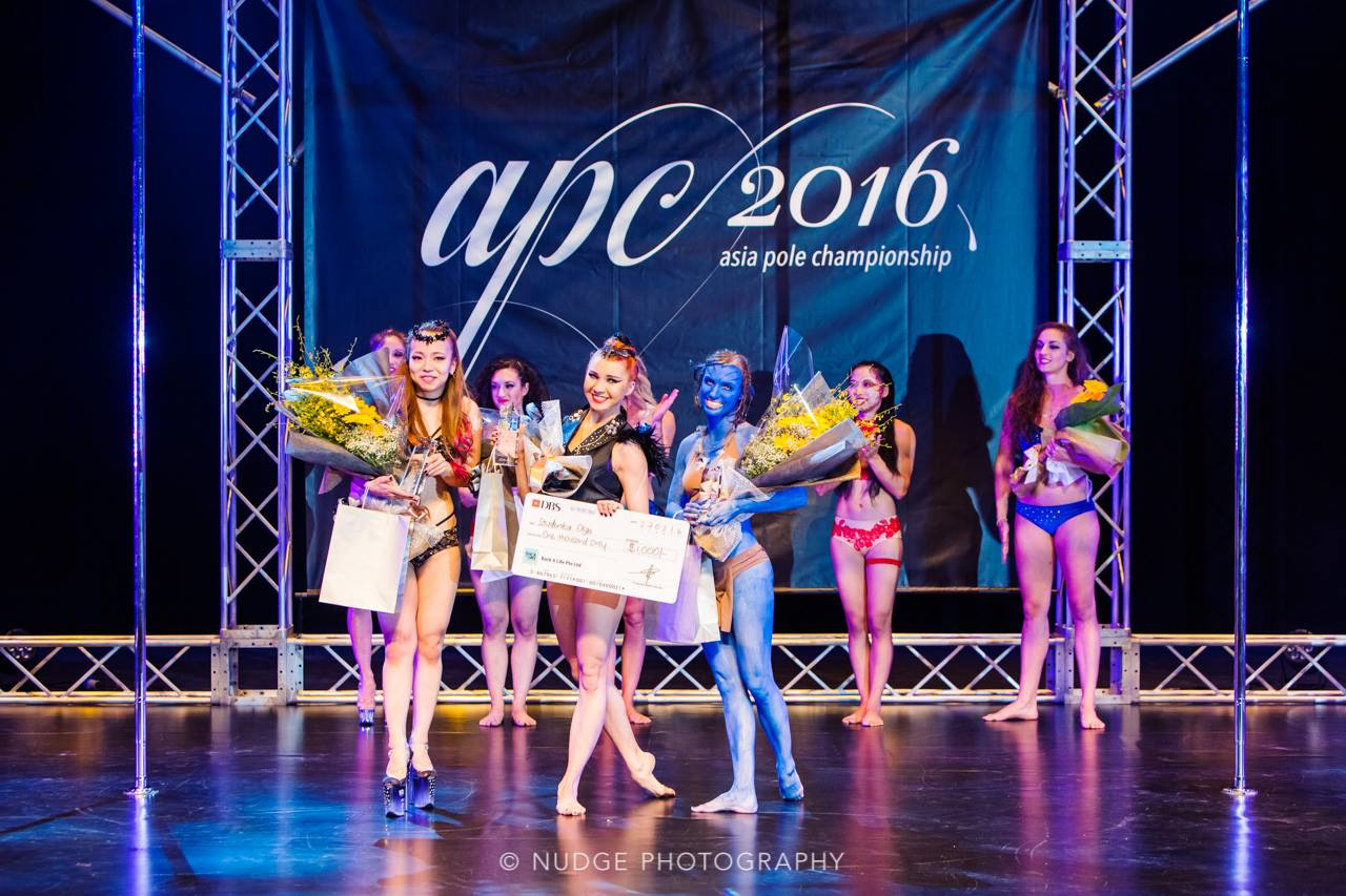 Pole_Dance_Champion_Olga_Studenikina_Christina_Mahoney_Pinoko