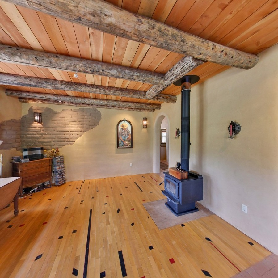 Living room_1500_900_2000k.jpg