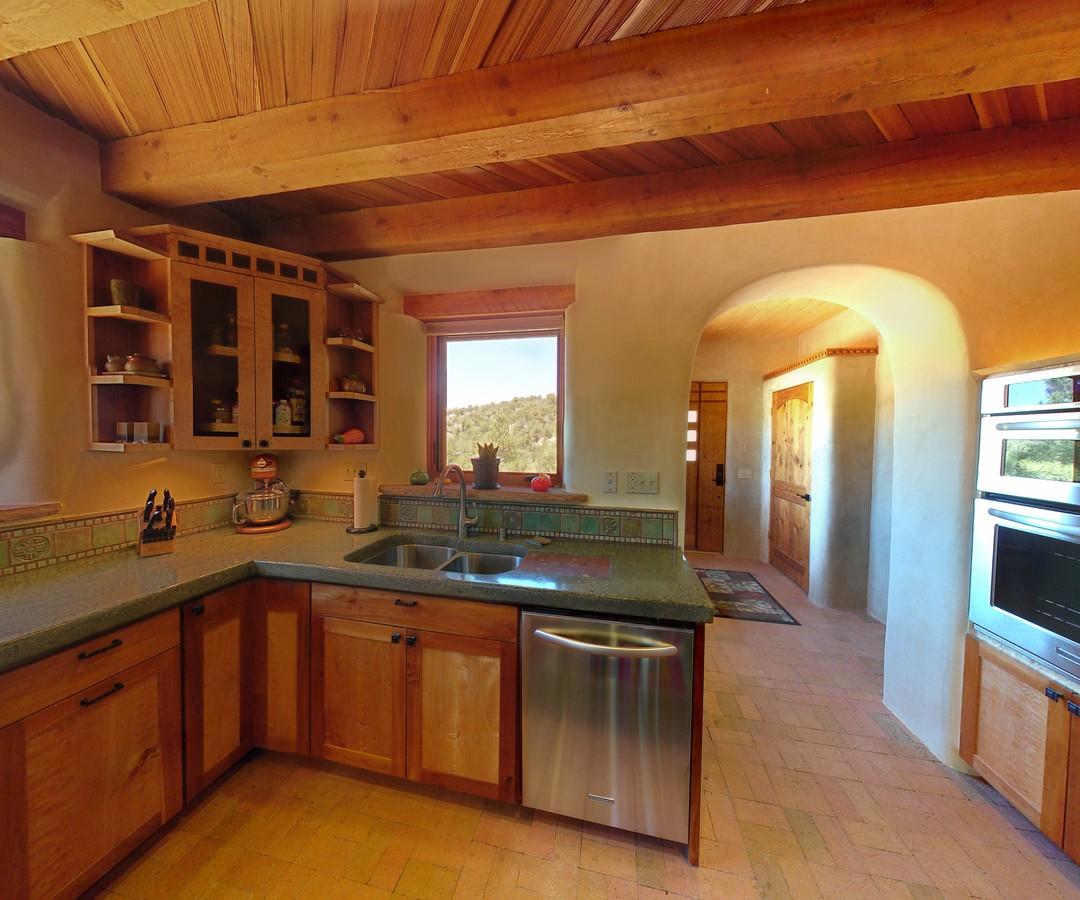 MK kitchen2_1500_900_2000k.jpg