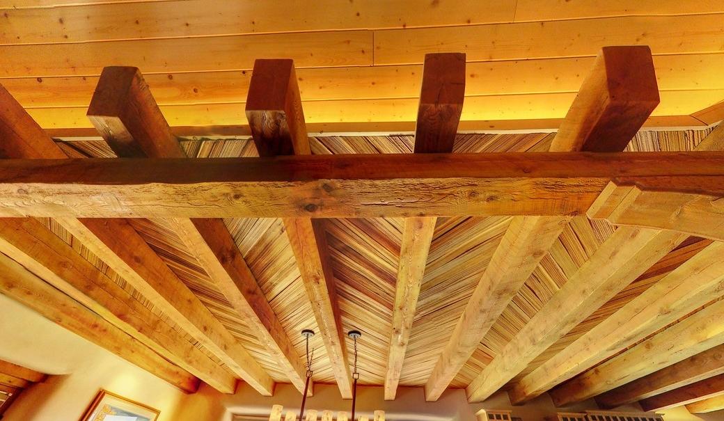 MK living beam ceiling_1500_900_2000k.jpg
