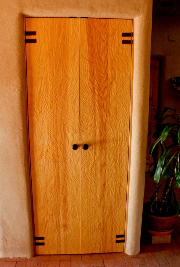 closet 1_1500_900_2000k.jpg