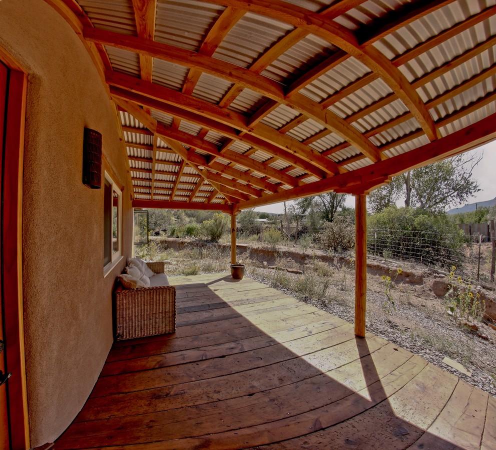 Porch medium 2_1500_900_2000k.jpg