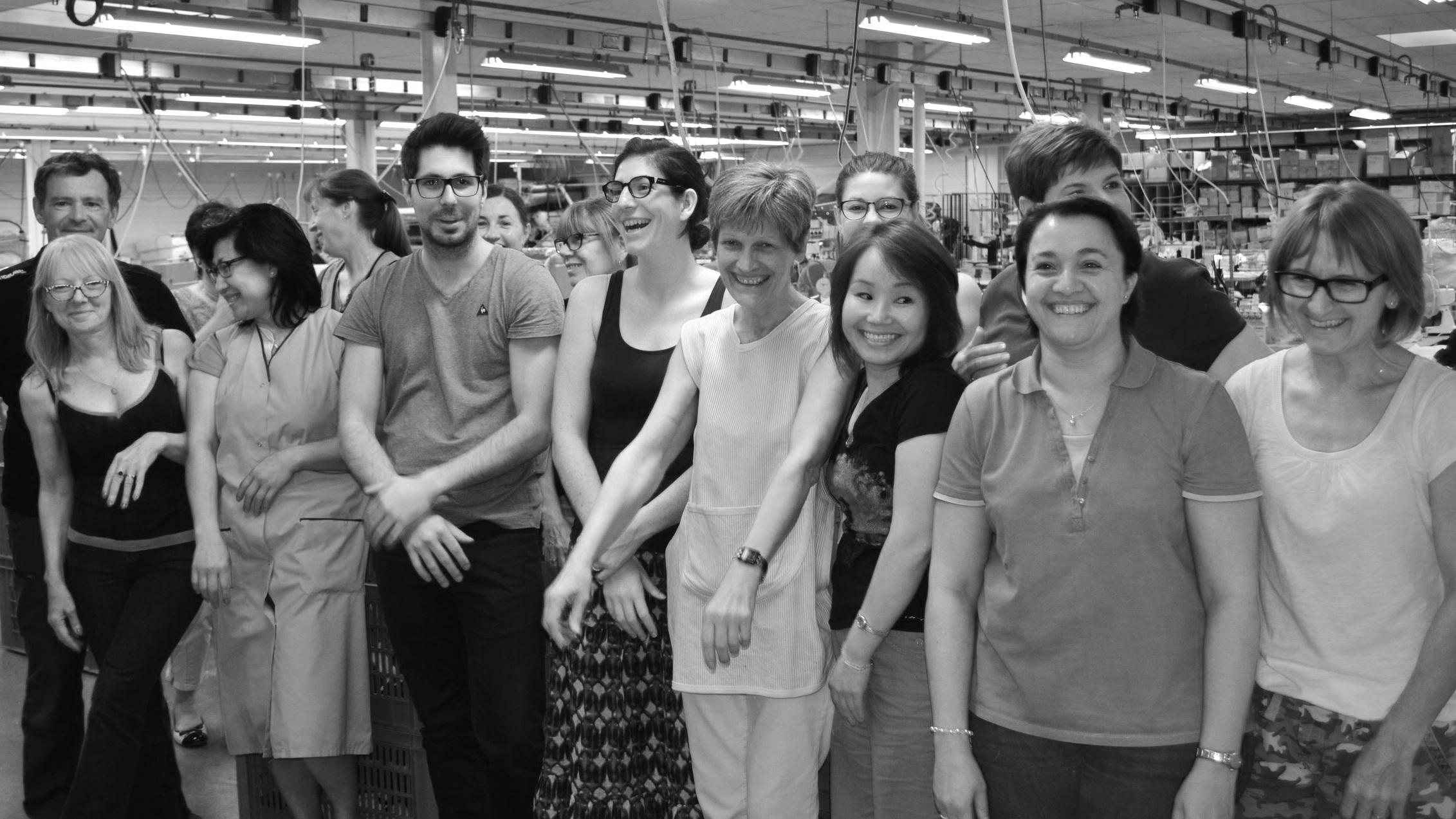 """Les façonniers qui se """"cachent"""" derrière nos modèles : Merci Agnès, Catherine, David, Fanny, Jocelyne, Laurence, Maryline, Rose, Sylvie, Thi Hoaï … et toute l'équipe !"""