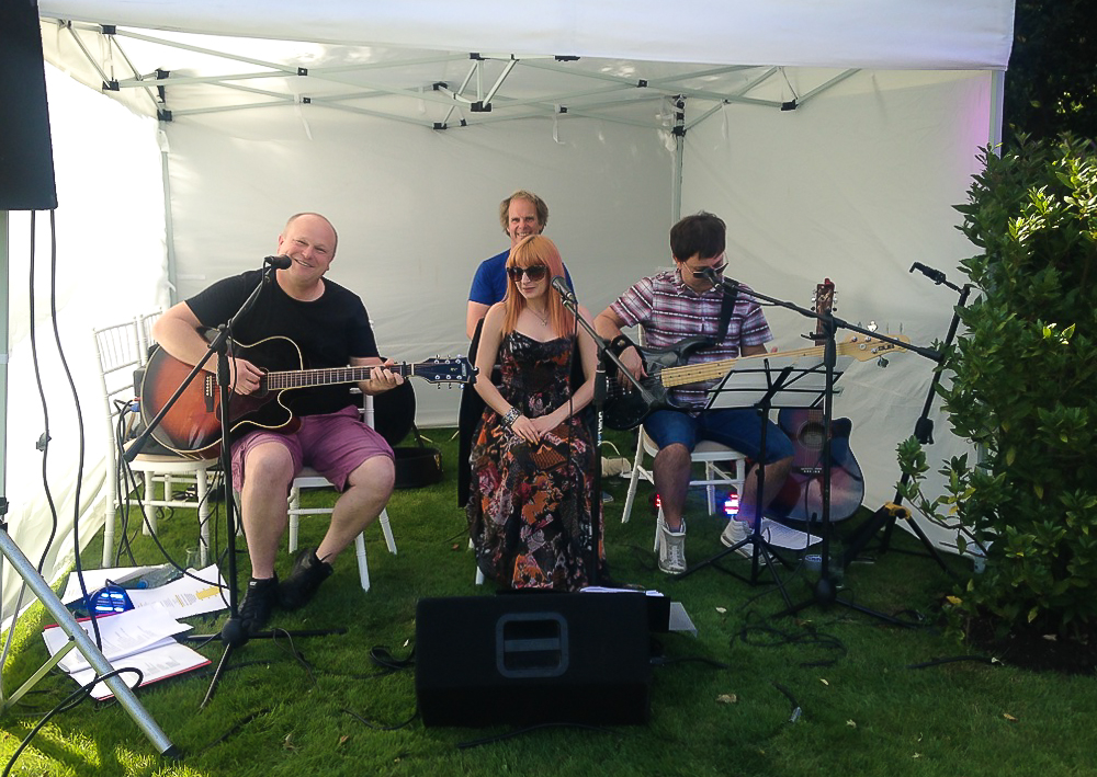 CandyStripes Acoustic Live Band for Hire in Watford, Essex, Hertfordshire and across the UK - perfect for your afternoon reception drinks atyour wedding or party.