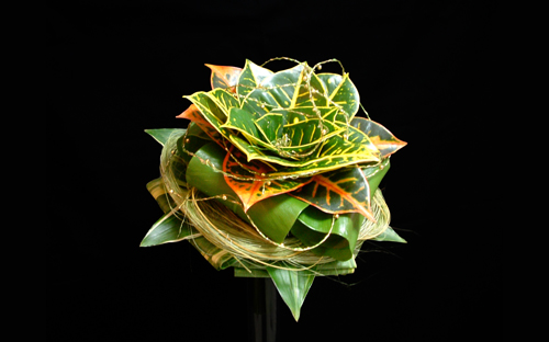 1.Bridal Bouquet & Hair's Ornament