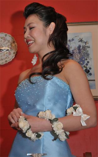 2.Bridal Bouquet & Ear's Ornament
