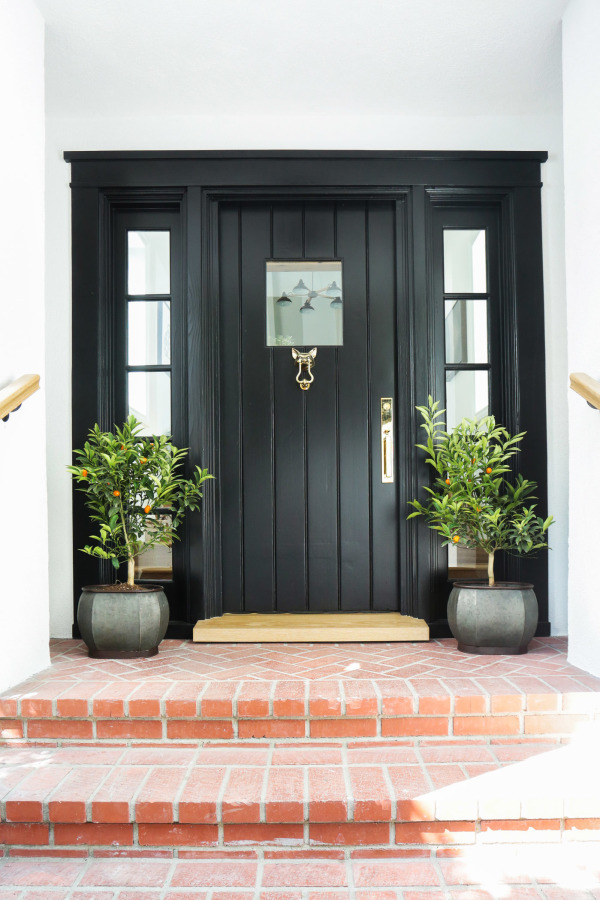 What's the Best Color to Paint Your Front Door? Your Guide to Finding The One - by JONATHAN STEINITZWant to know the best color to paint your front door? The first step is to, well, step inside. That's because a front door is an exterior reflection of a home's interior design aesthetic—its first impression, if you will. And why not project a little bit of your personal style out to the world? After all, we know that first impressions count.When it comes to interior design, we tend to take the approach that beauty is on the inside. But the outside still serves a key purpose to add curb appeal that gives guests and passersby alike a preview of the home's personality and style. So it's time to follow your personal style to your favorite paint color that will make you literally want to shut the front door.