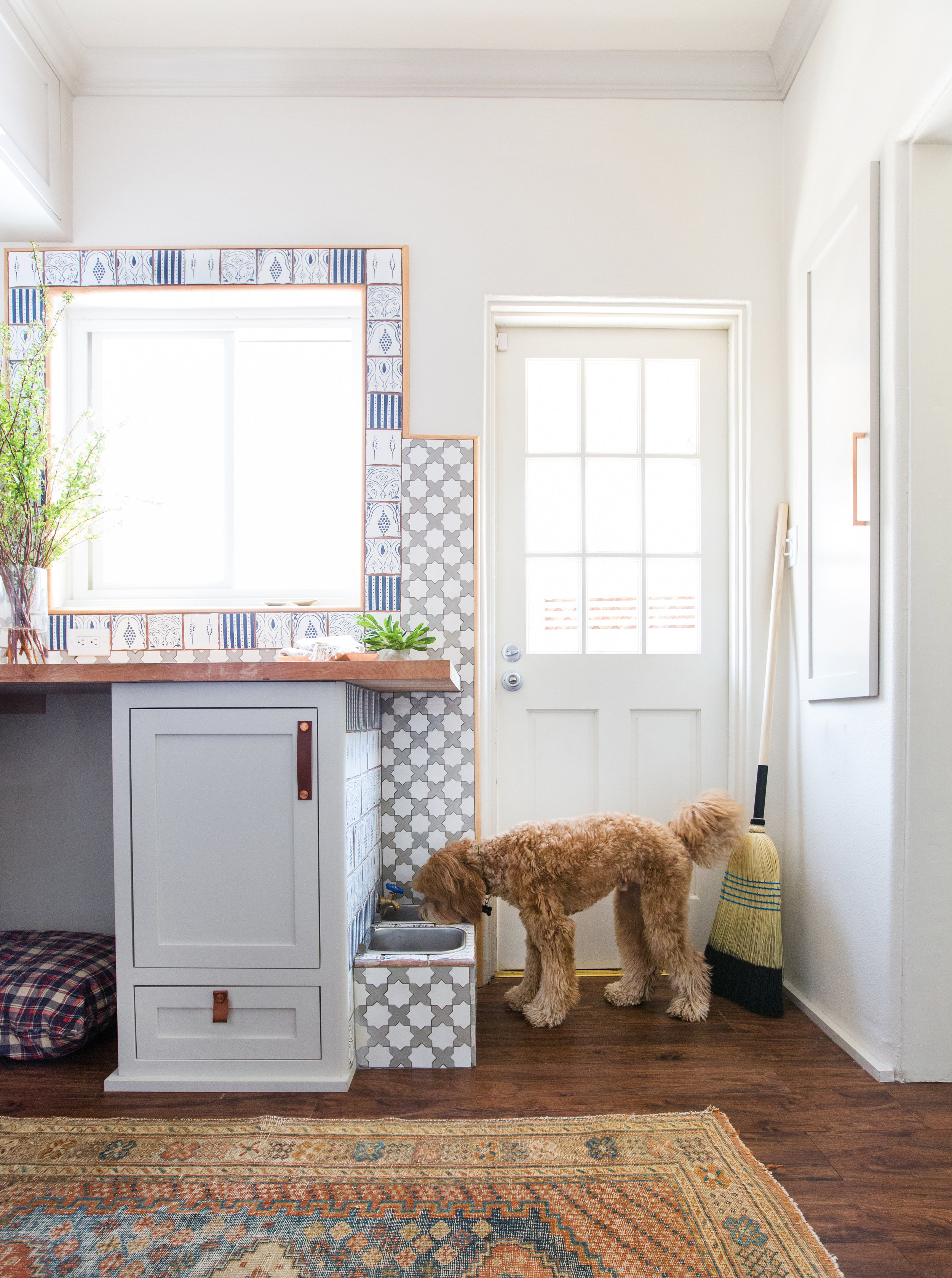 A Utilitarian Space Never Looked So Good: A Fresh Laundry Room Makeover - Copy byCYNTHIA BAXTERDesigner Stefani Stein Gives Tips on Maximizing Storage & Adding Style to a Typically Mundane RoomIt has been estimated that the average mother spends five months of her life doing laundry. Unfortunately, typical laundry rooms are usually pretty uninspiring spaces in which to spend so much time. And chores are already something that we don't look forward to, so why not at least make these spaces more stylish and enjoyable to be in?Designer Stefani Steindid just for her clients in this beautiful laundry room makeover – a shining example of blending form and function. We asked her to share some ideas on how to create beautiful working spaces.full story