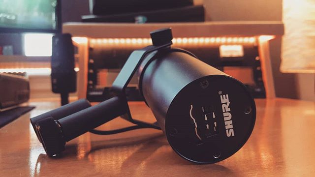 The legendary Shure SM7B getting photobombed by a stealthy sE x1. #Gear photoshoots at stormtown