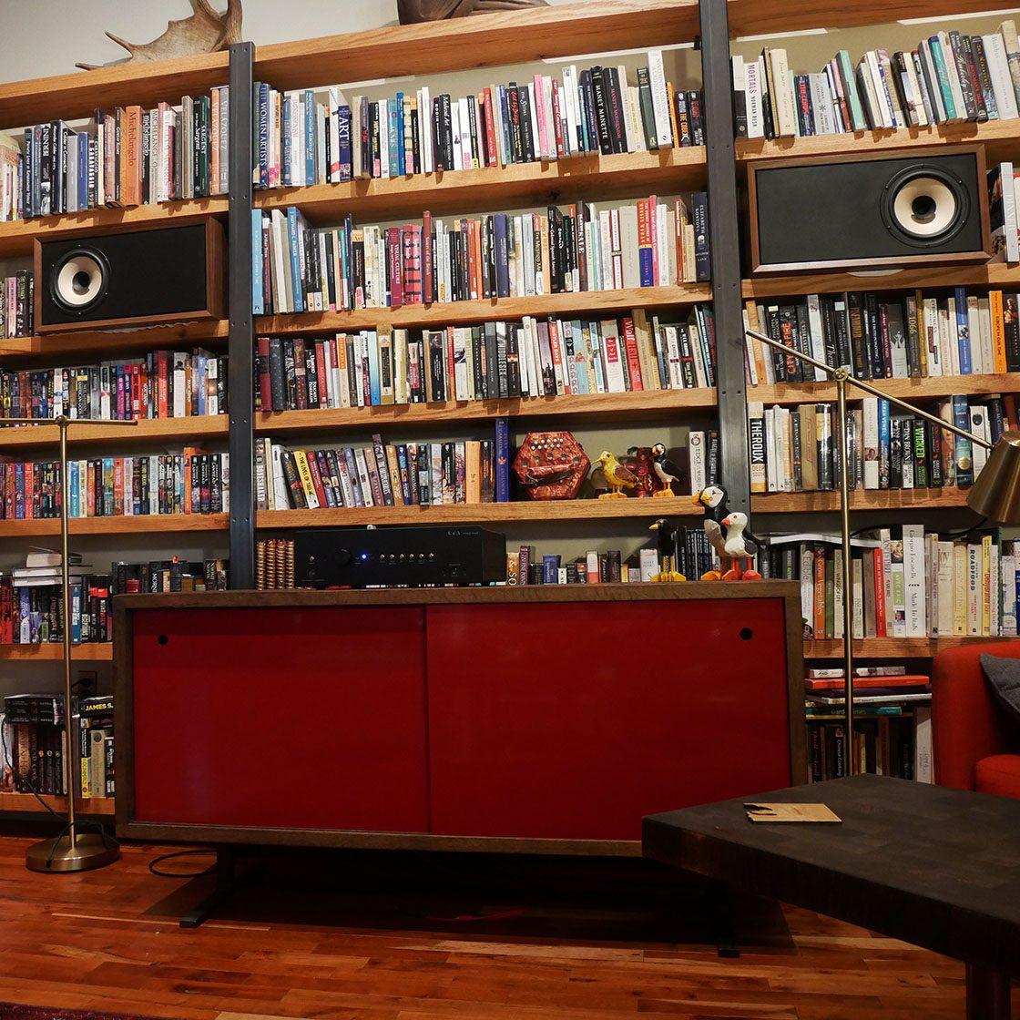 Ravens-Bookshelf-006.jpg