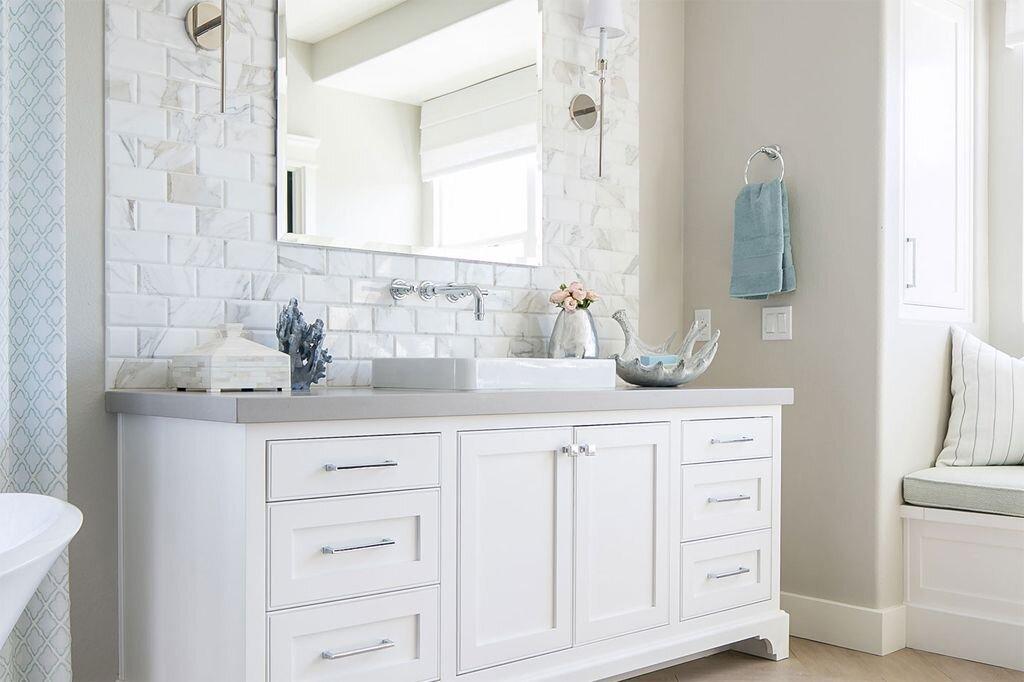 Agreeable Grey on bathroom walls - photo via www