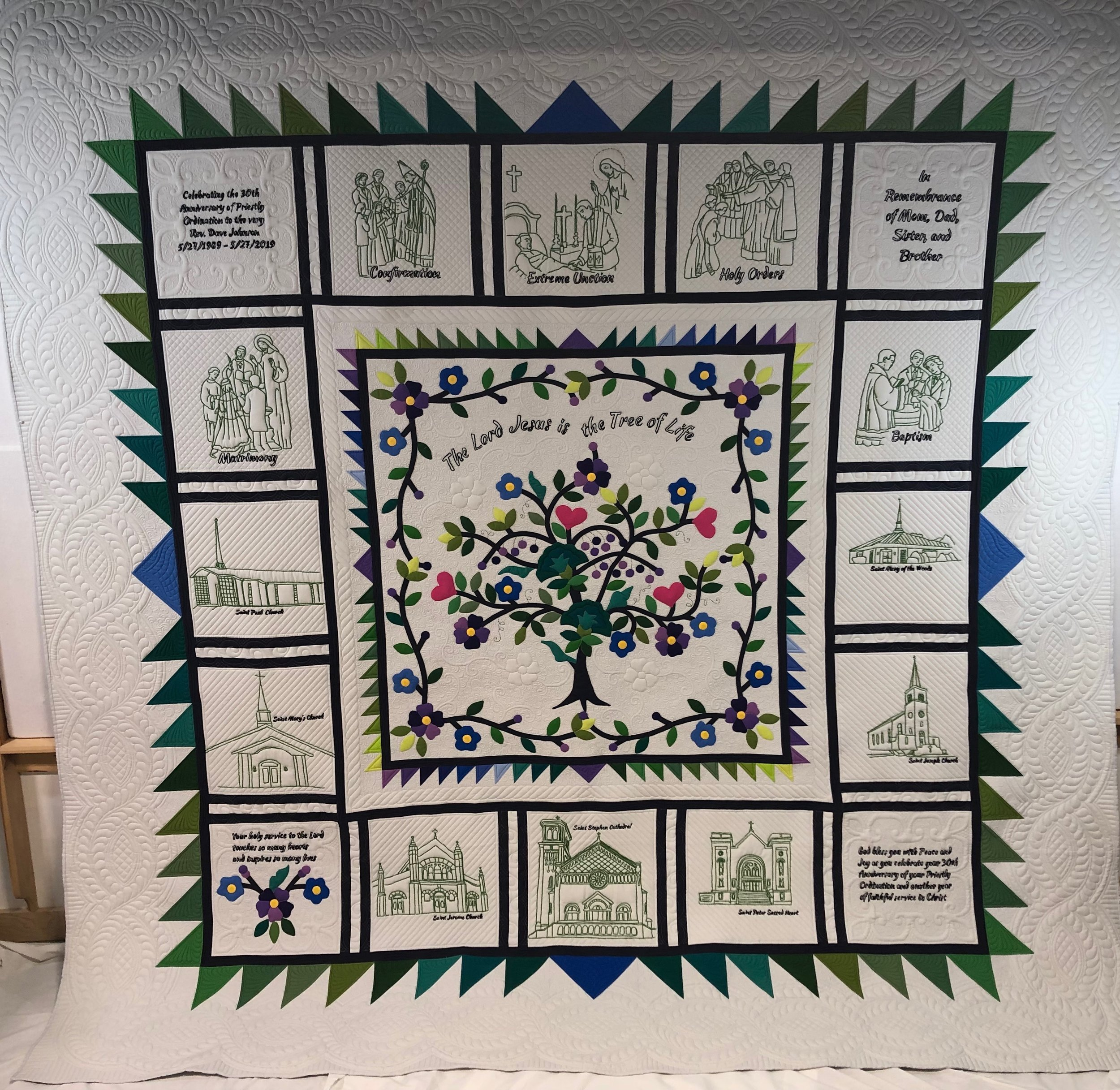 Tree of Life Quilt for Rev. Dave Johnson for Bobbie Edds by Karen McTavish and the Quilters at McTavish Quilting Studio (112 x 112) Duluth Minnesota