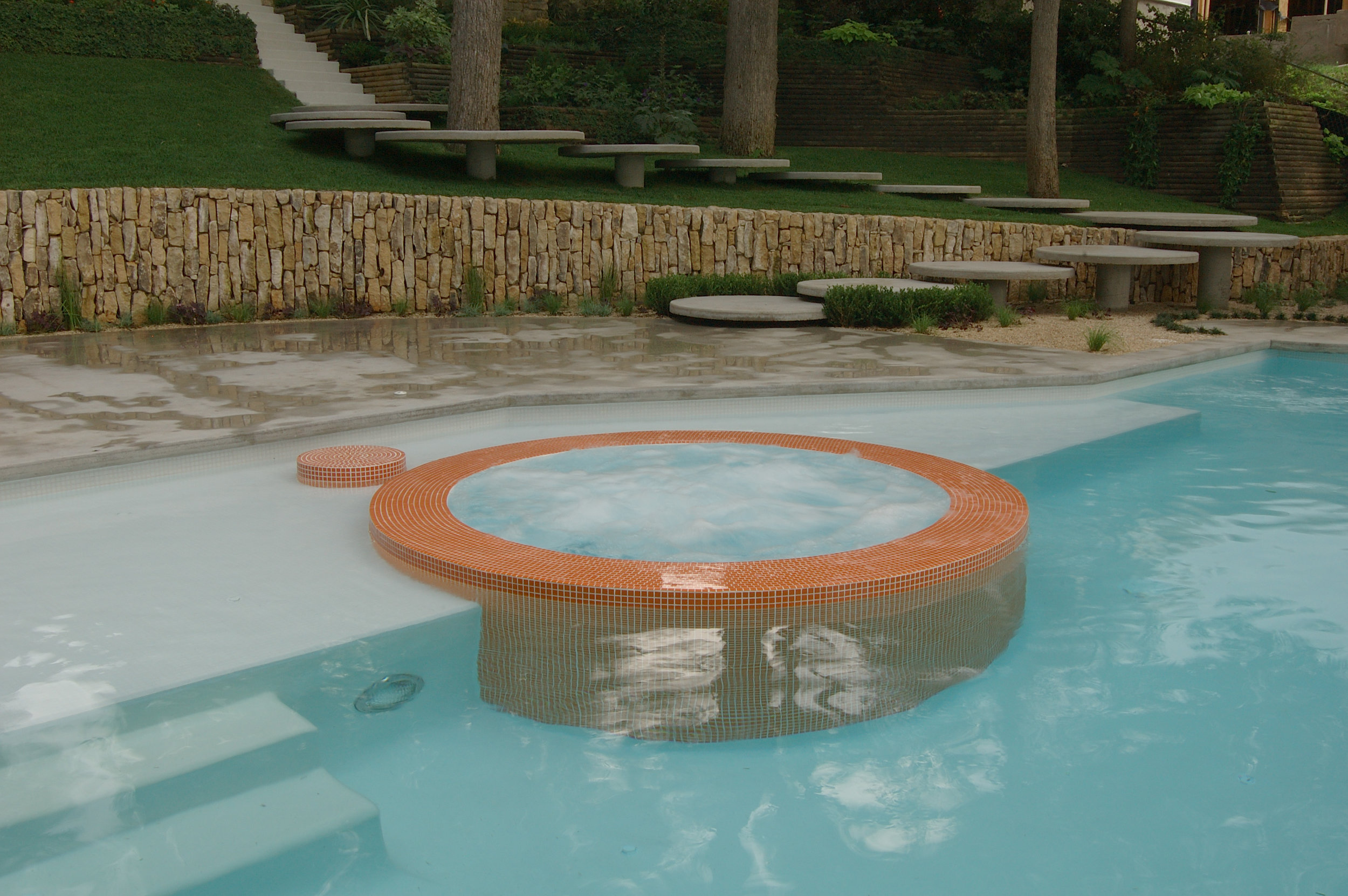 project-thornton-lake-austin-jacuzzi-pool.jpg