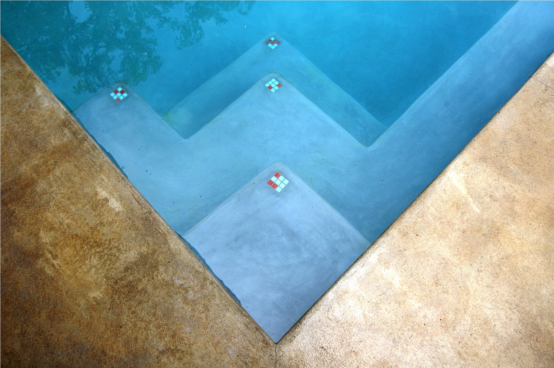 project-humphrey-place--pool-tiles-1600x1200.jpg