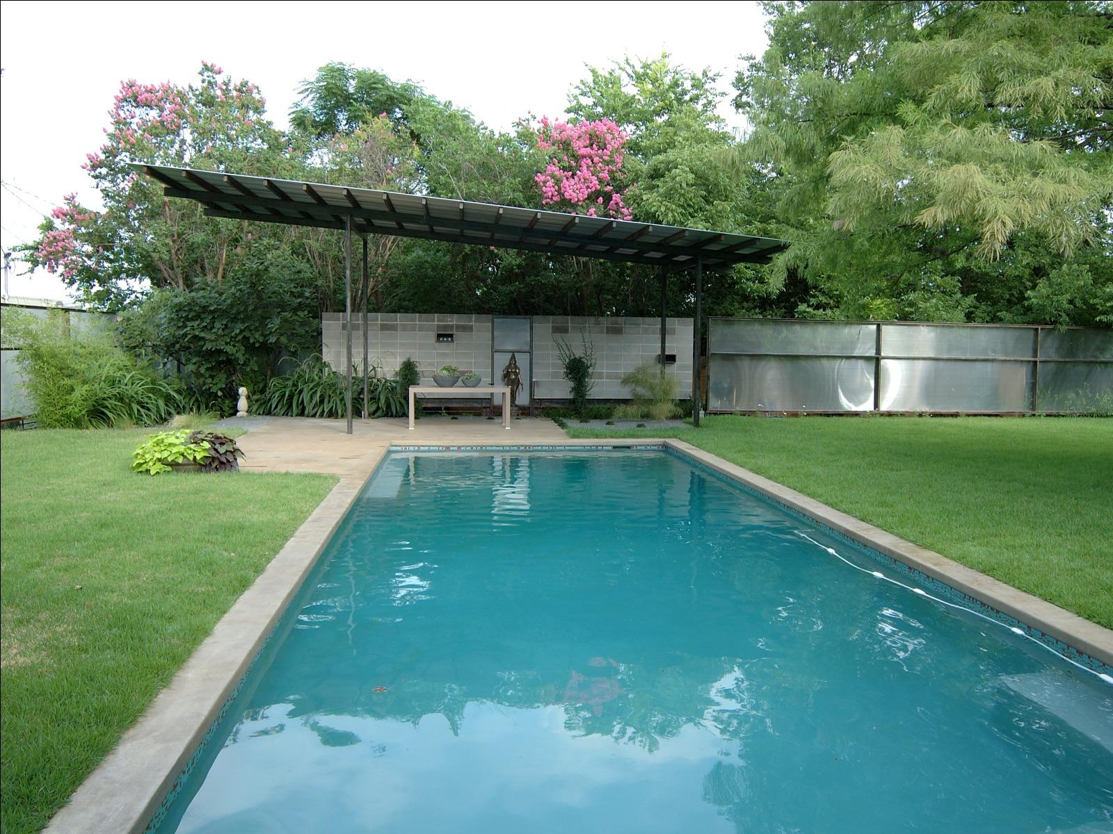 project-humphrey-place-pool-patio-panorama-1600x1200.jpg