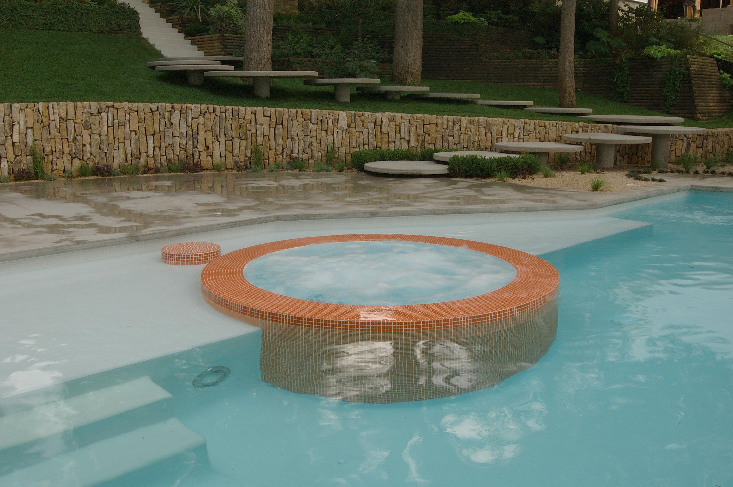 project-thornton-lake-austin-jacuzzi-pool.jpg