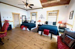hideaway room at cedar bend lodge