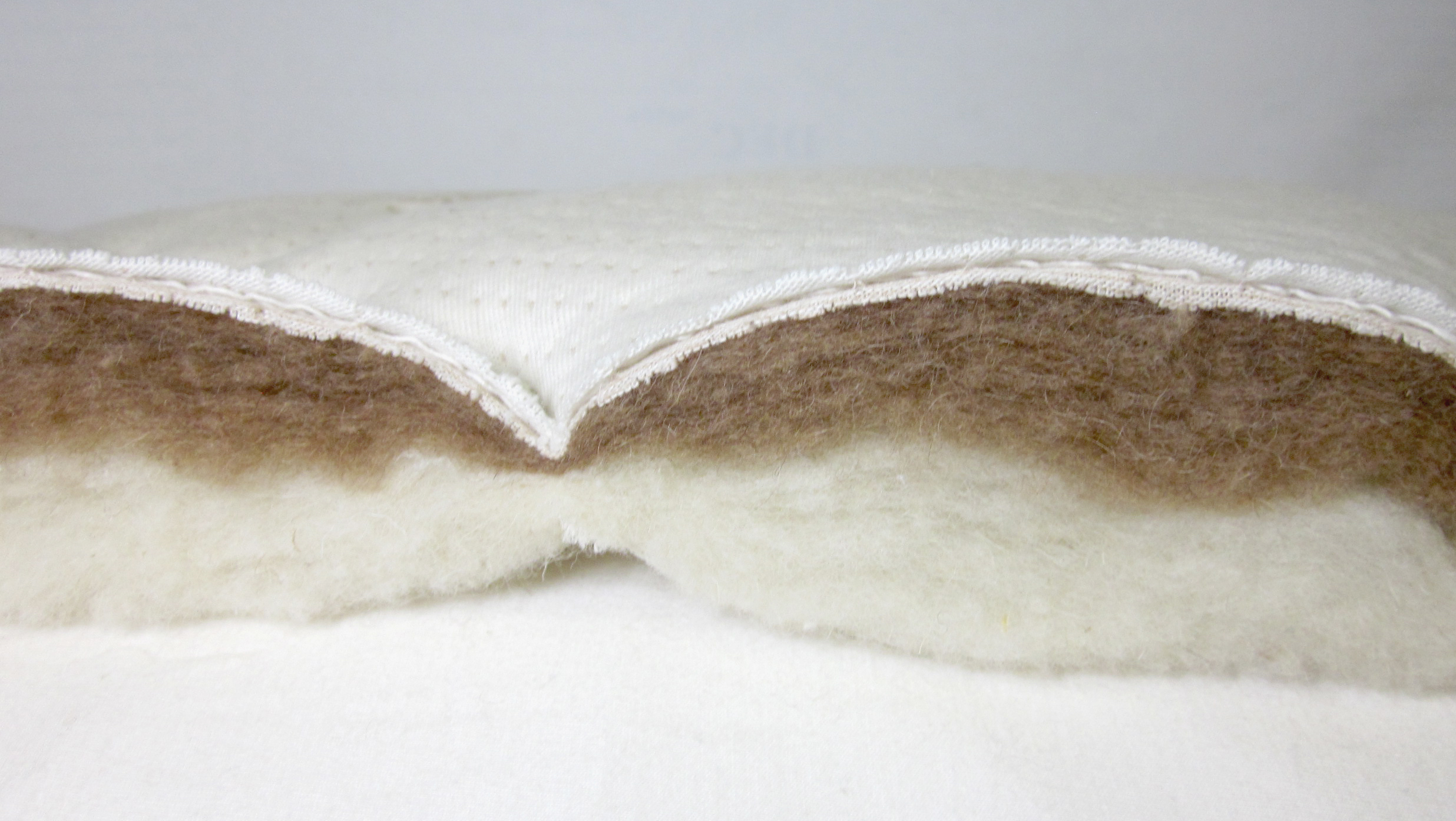 Pure camel hair combined with Merino wool for an optimal sleep climate