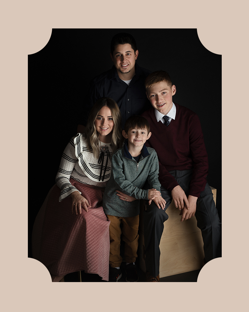 About Us - Jessica Patnesky Portraits is committed to providing a custom portrait experience in order to showcase your beauty from the inside out. For you are fearfully and wonderfully made.