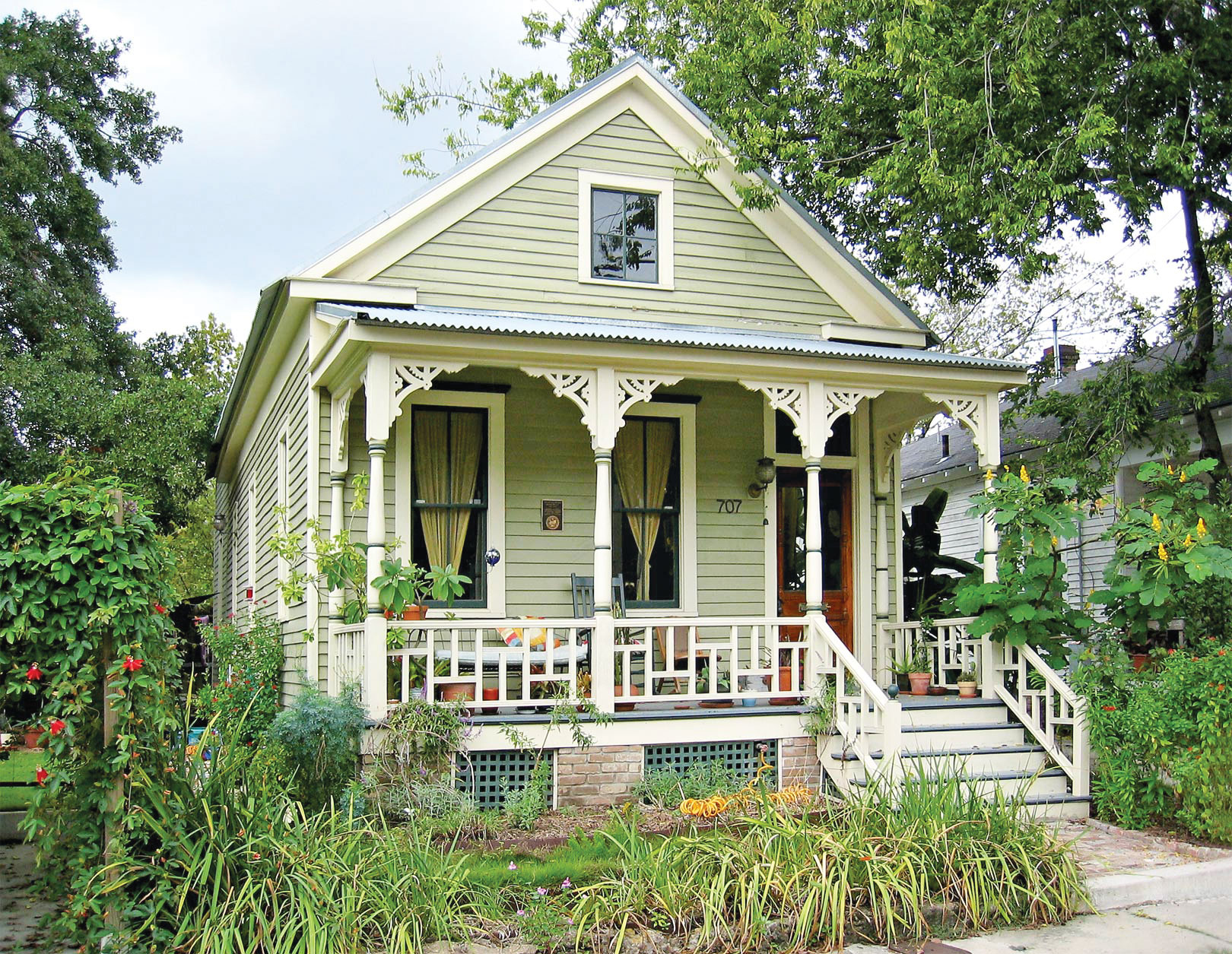 Progress in historic preservation can be seen in revitalized homes in the Old Sixth Ward, among many other neighborhoods. /  photo by Jim Parsons