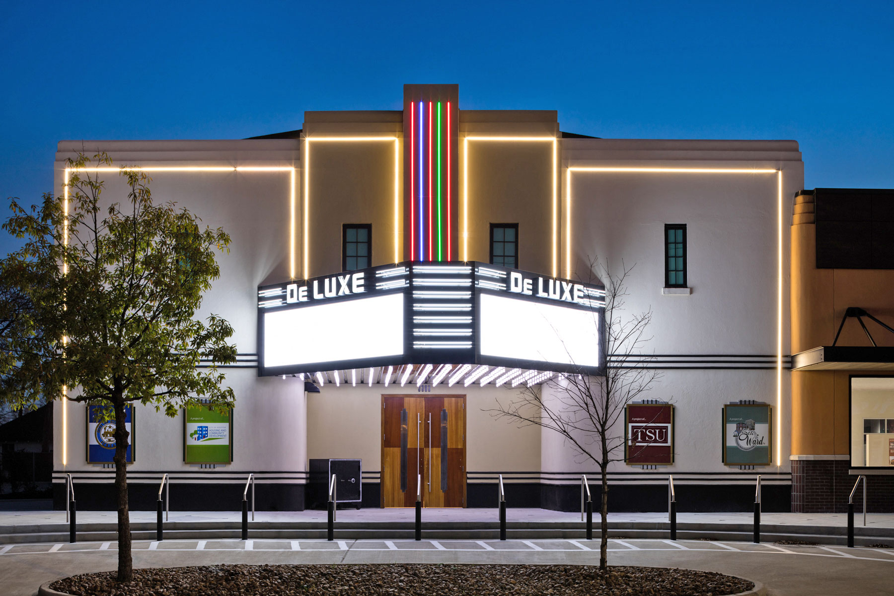 City of Houston and Fifth Ward Community Redevelopment Corp. for the rehabilitation of the DeLuxe Theater (1941) in the Fifth Ward /  photo by Zvonkovic Photography