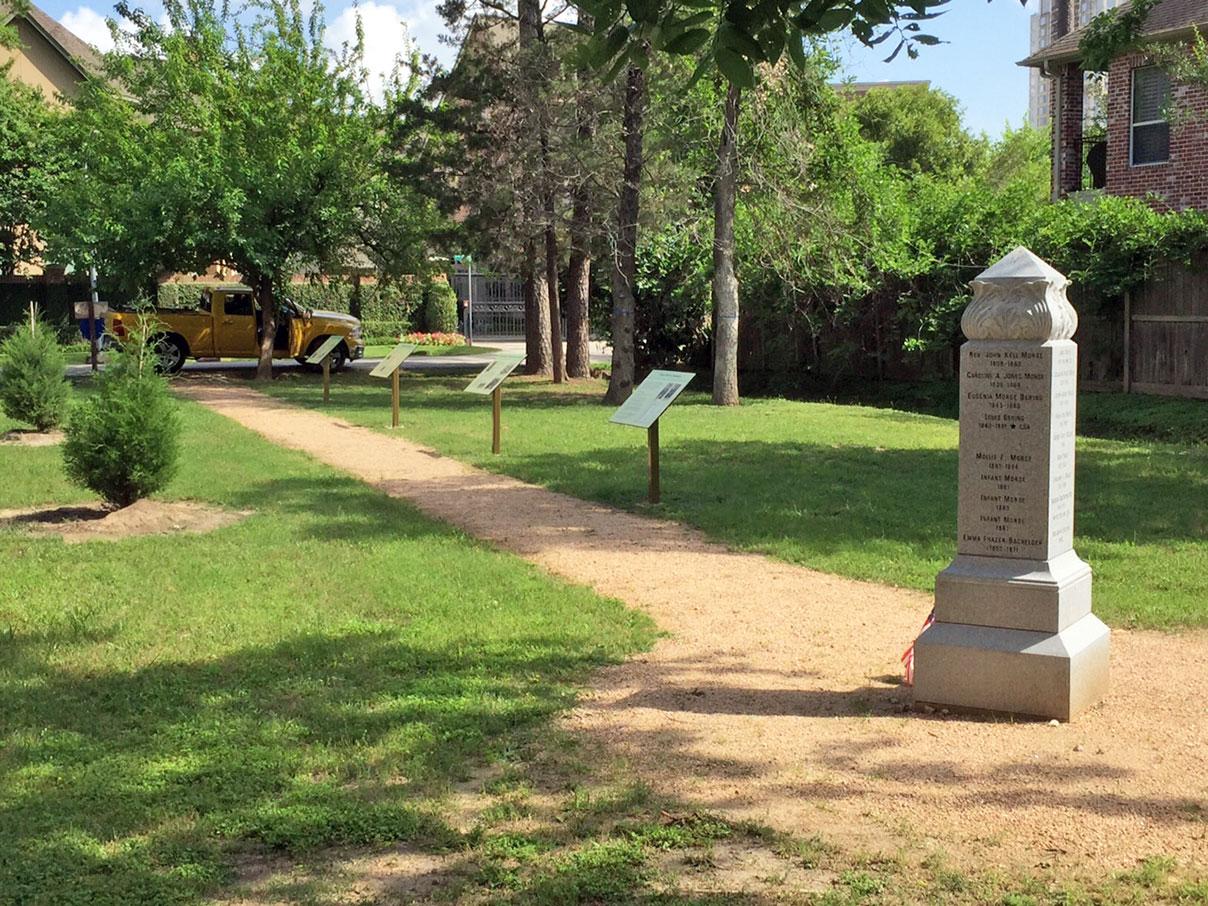 Morse-Bragg Cemetery / photo courtesy of Dan Worrall