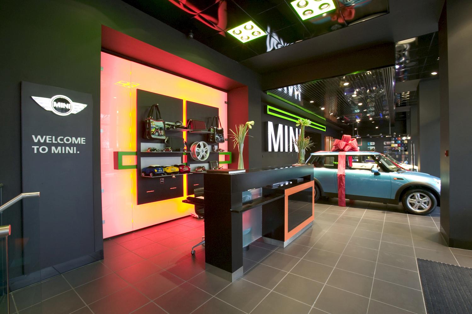 2159_BMW_Park_Lane_Mini_N28_medium.jpg