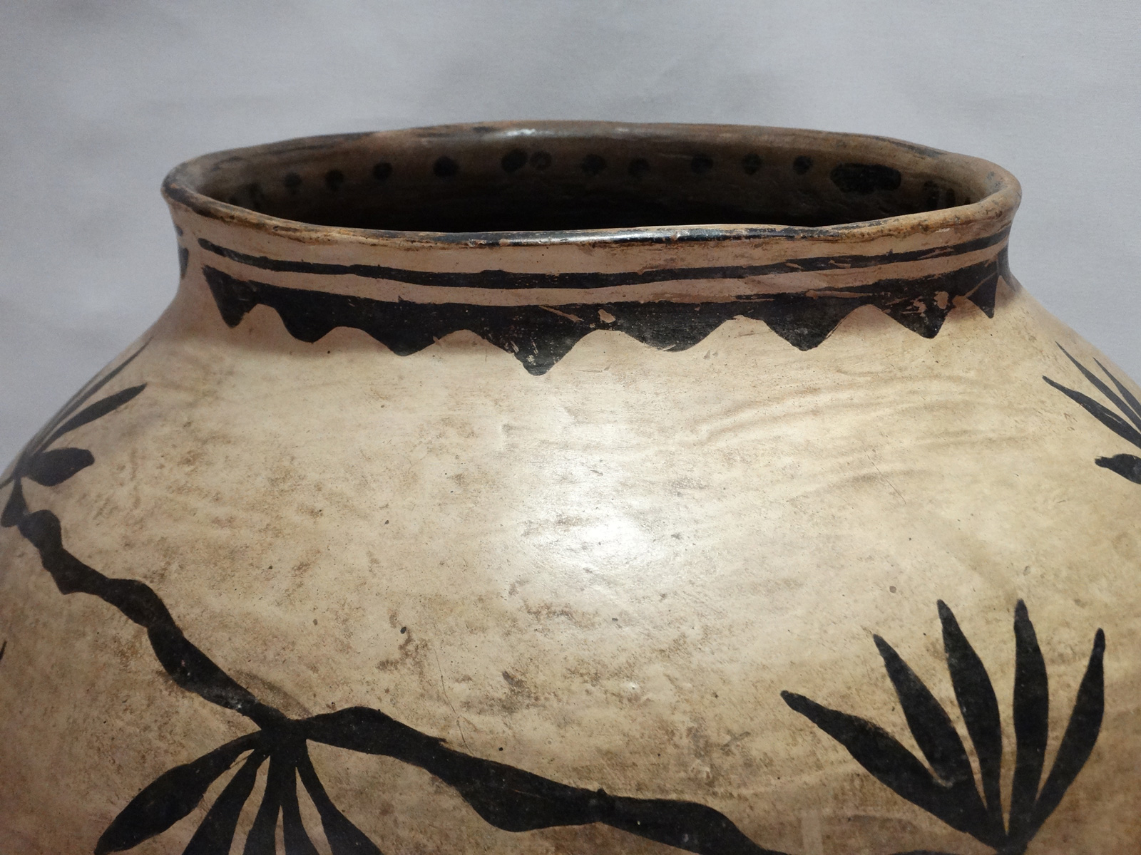 pottery-closeup.jpg